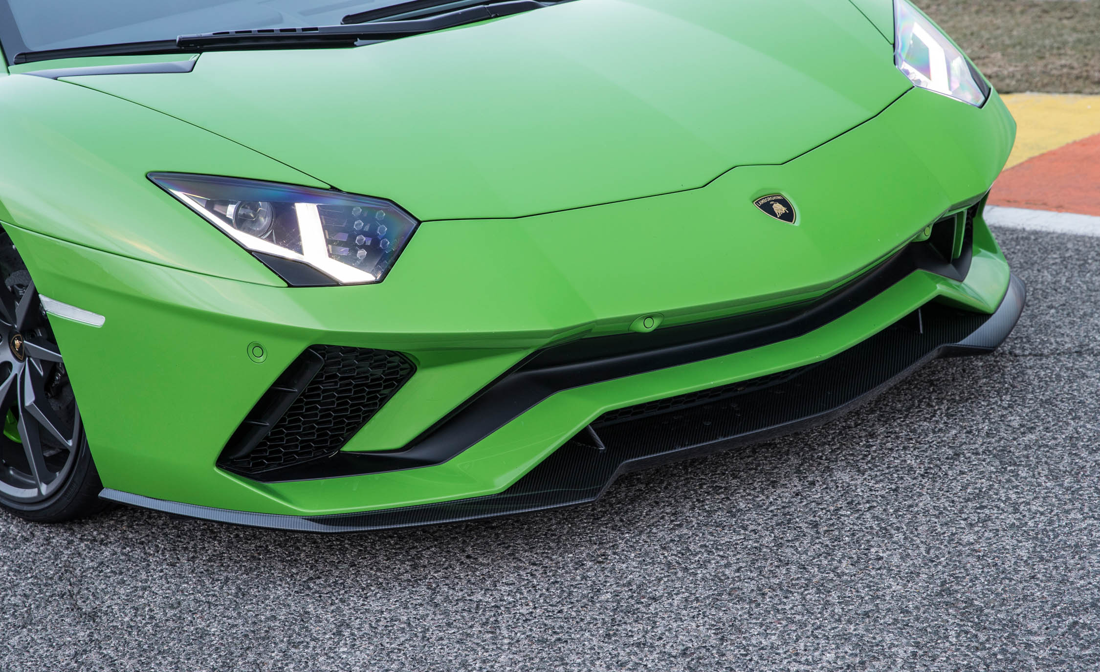 2017 Lamborghini Aventador S Exterior View Front Bumper And Headlight (Photo 5 of 20)