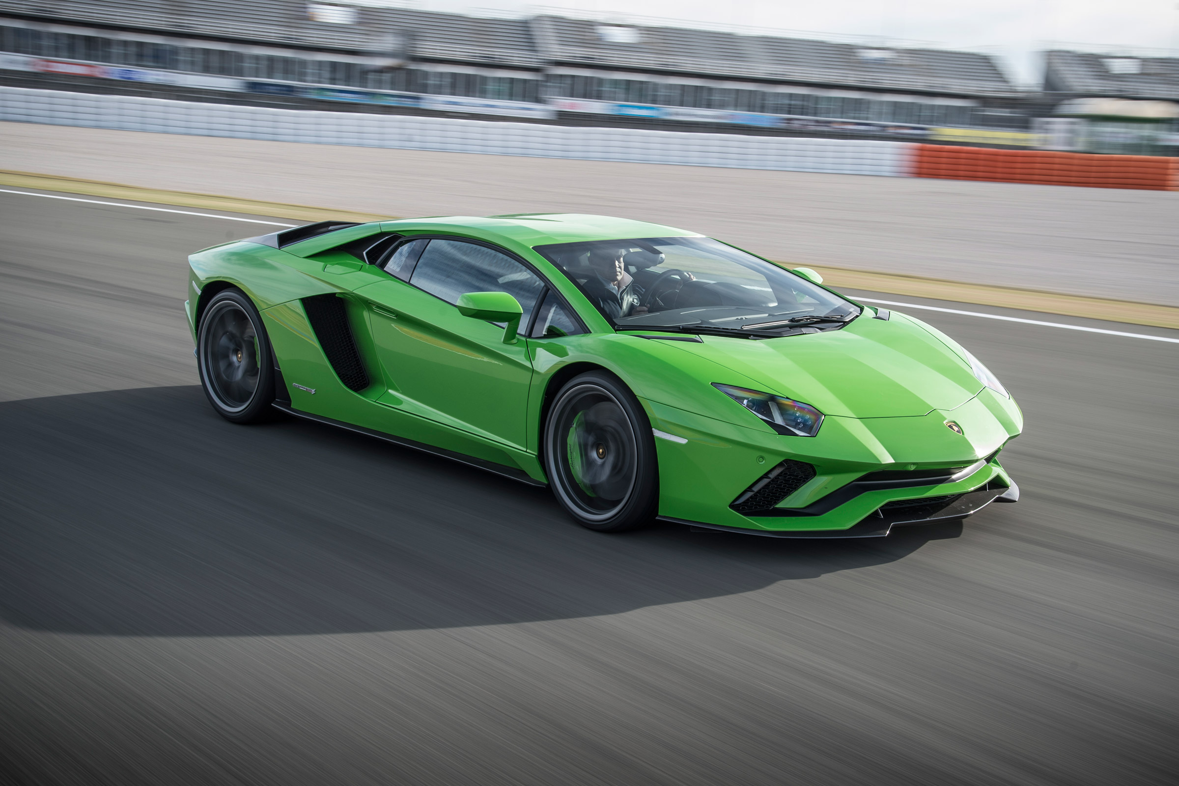Featured Image of 2017 Lamborghini Aventador S