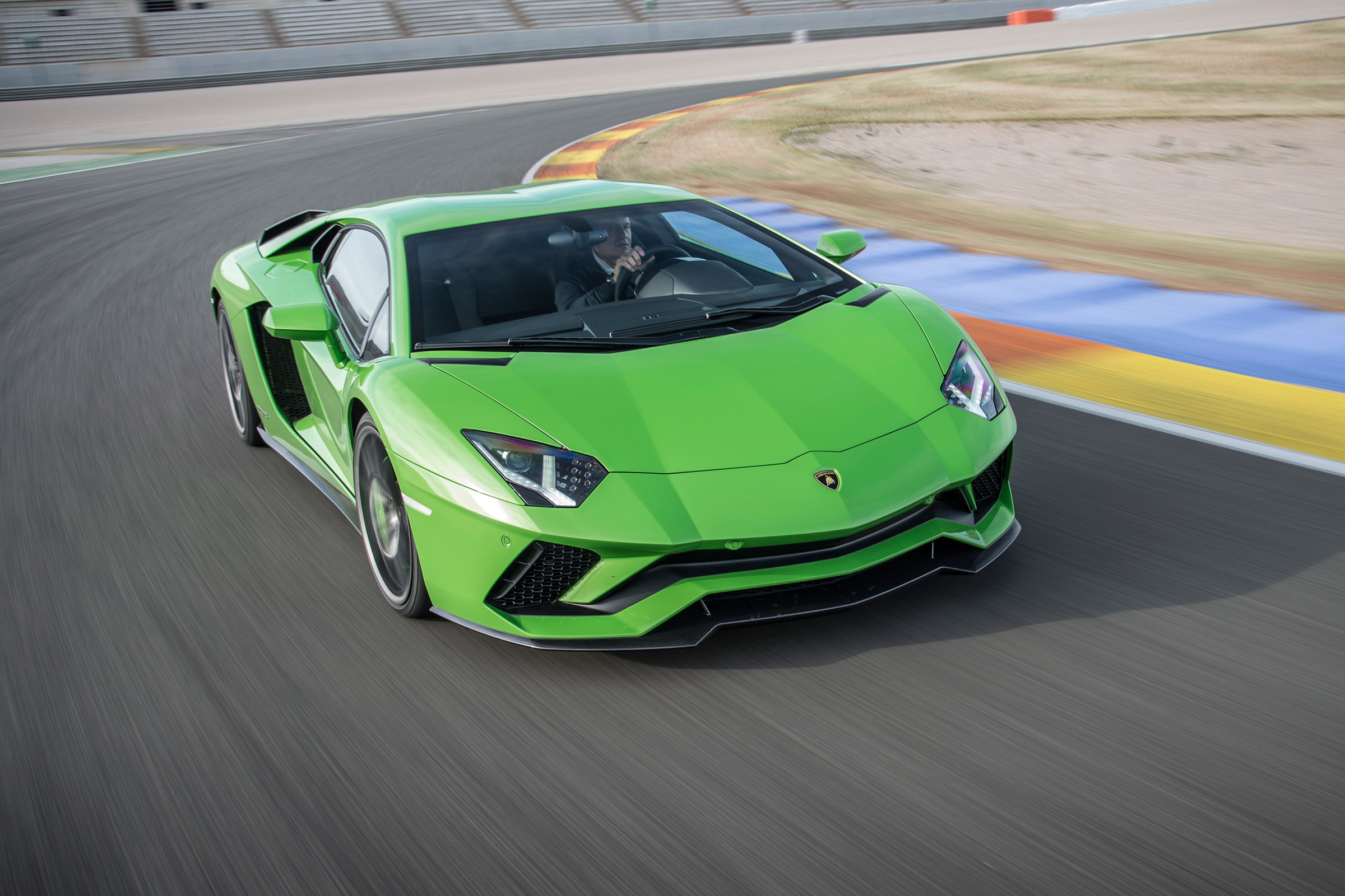 2017 Lamborghini Aventador S Green Front View (Photo 10 of 20)
