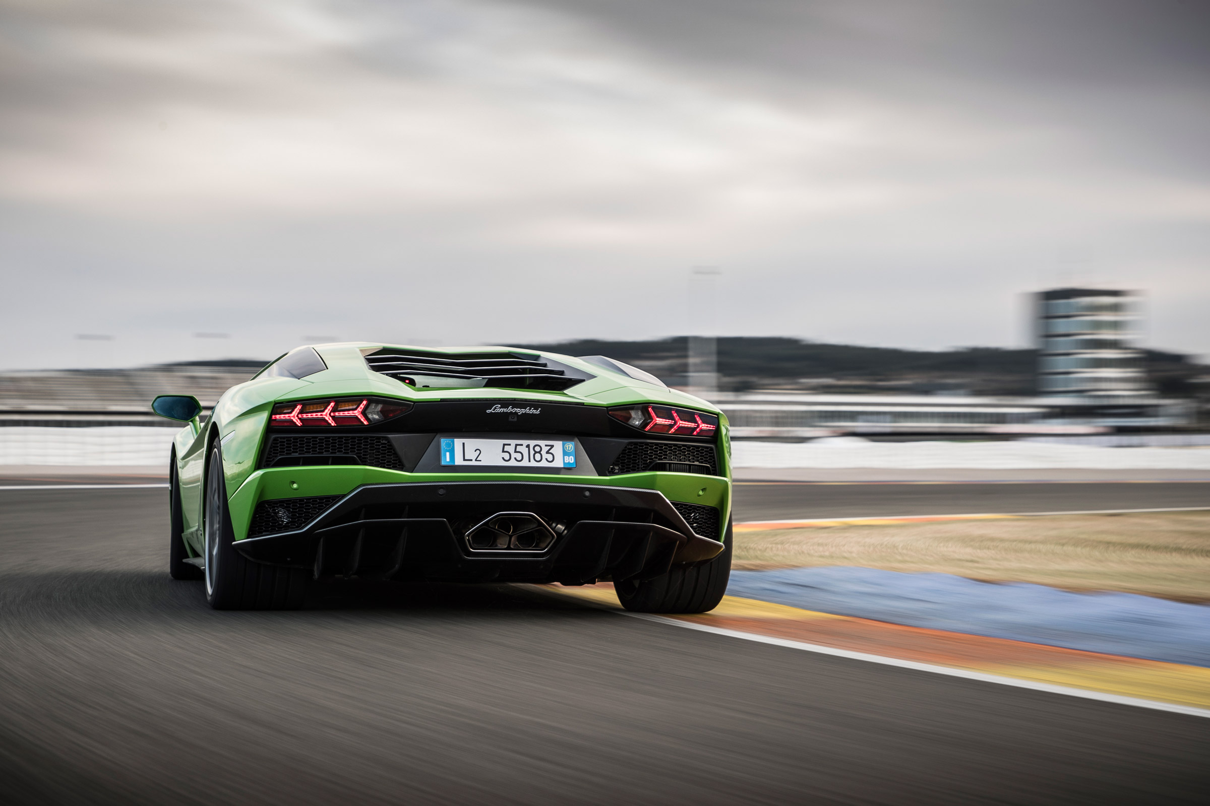 2017 Lamborghini Aventador S Green Rear View (Photo 12 of 20)