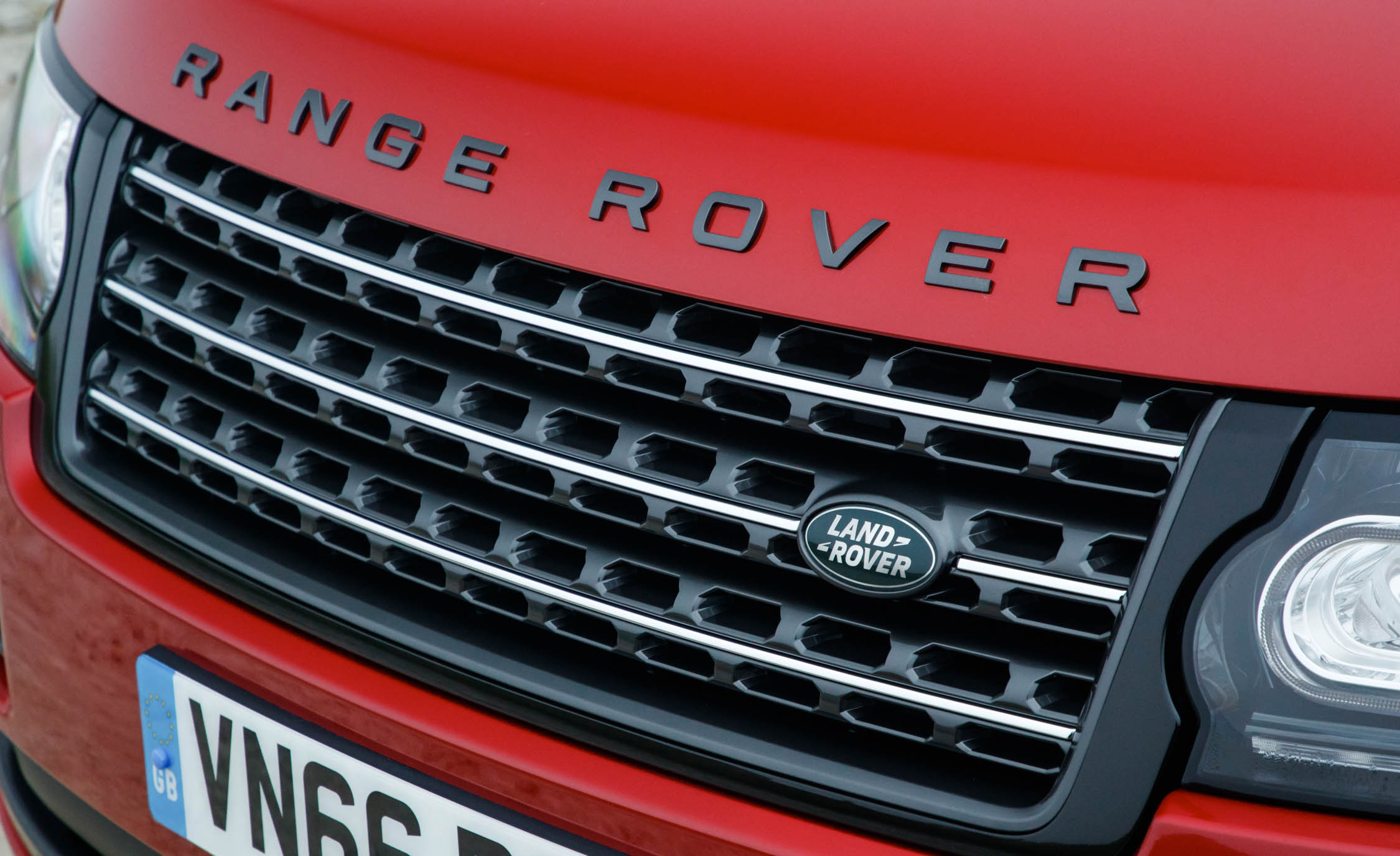 2017 Land Rover Range Rover SVAutobiography Dynamic Red Exterior View Grille (Photo 11 of 24)