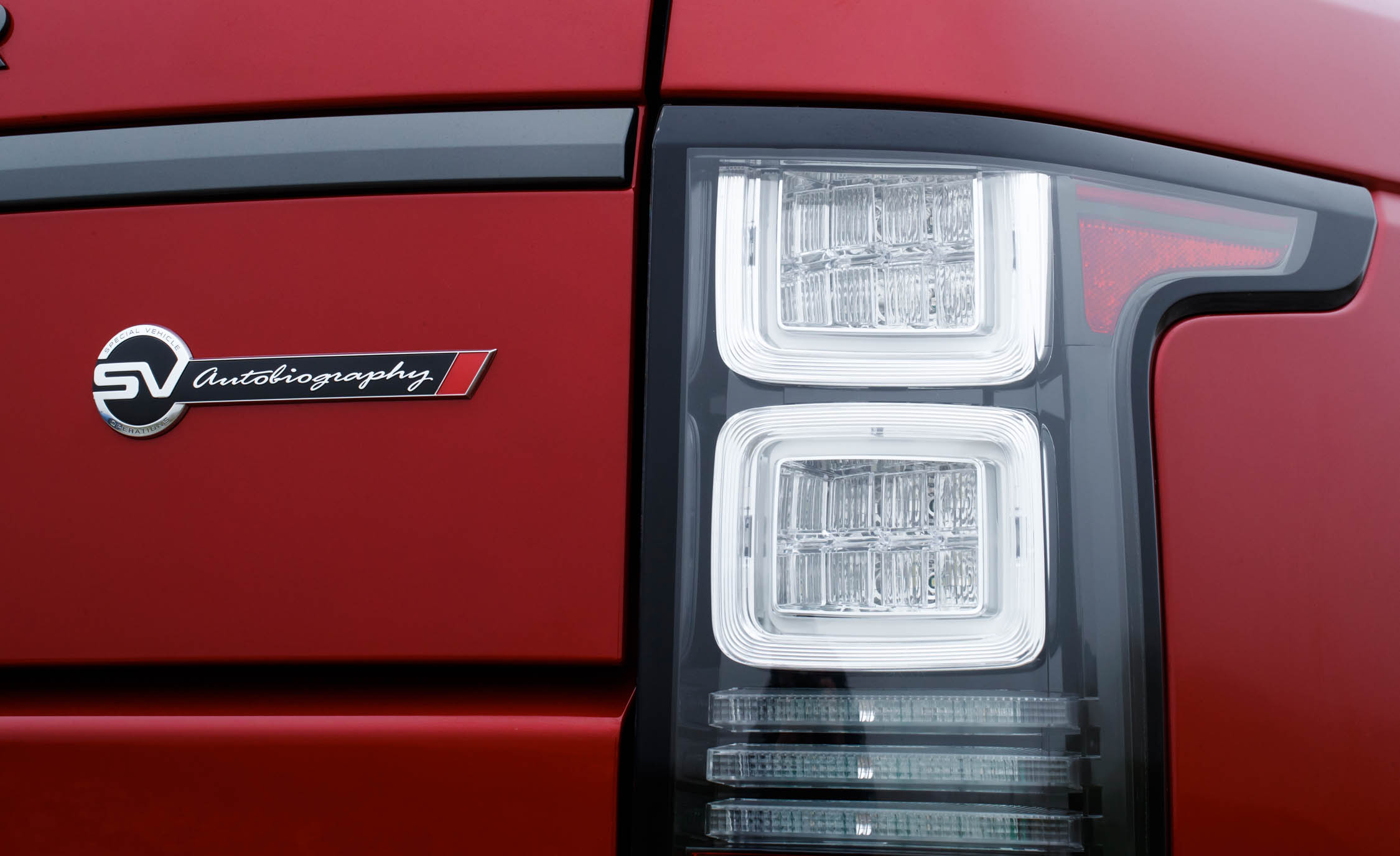 2017 Land Rover Range Rover SVAutobiography Dynamic Red Exterior View Taillight (Photo 13 of 24)
