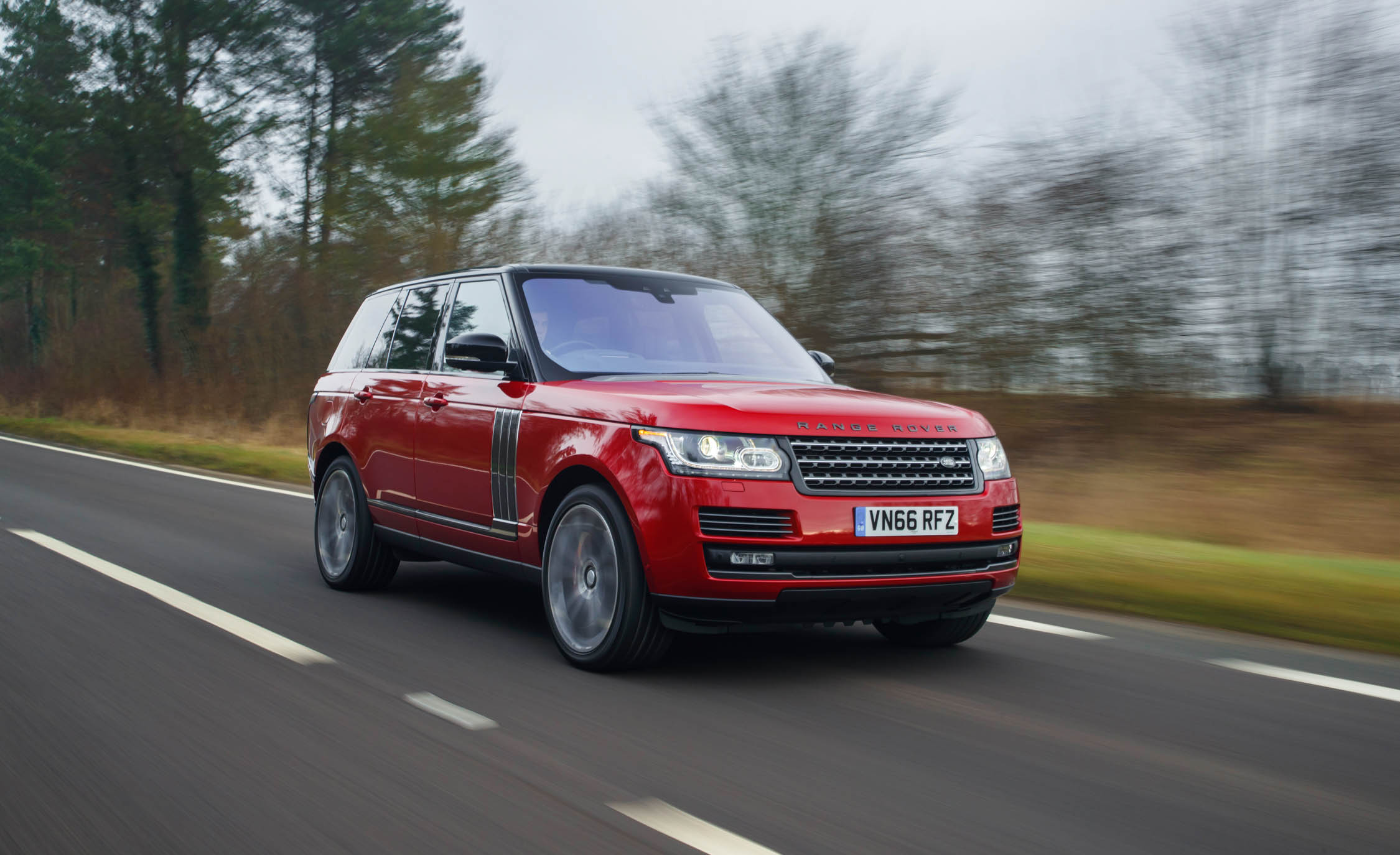 2017 Land Rover Range Rover SVAutobiography Dynamic Test Drive Front And Side View (Photo 16 of 24)