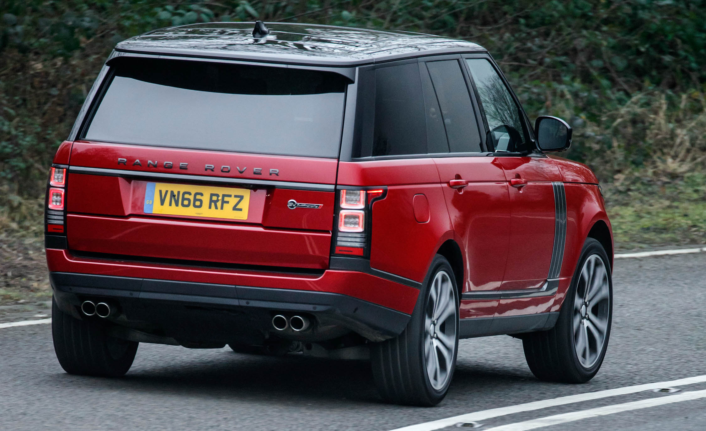 2017 Land Rover Range Rover SVAutobiography Dynamic Test Drive Rear And Side View (Photo 19 of 24)