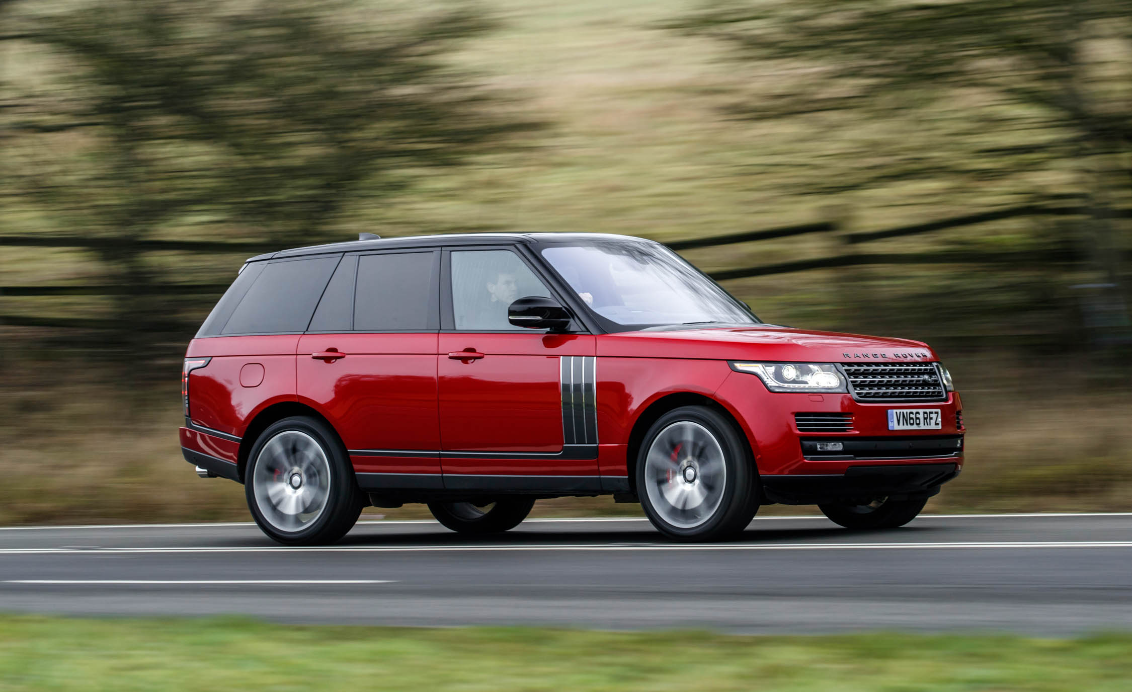 2017 Land Rover Range Rover SVAutobiography Dynamic Test Drive Side And Front View (Photo 21 of 24)
