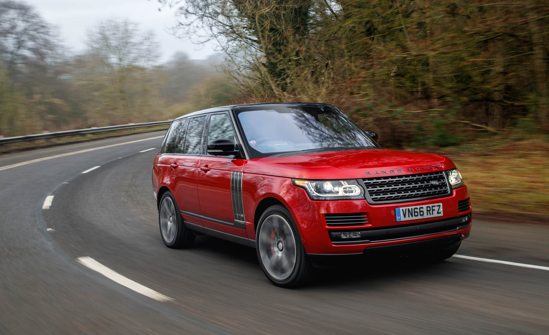 2017 Land Rover Range Rover SVAutobiography Dynamic Test Drive (Photo 15 of 24)