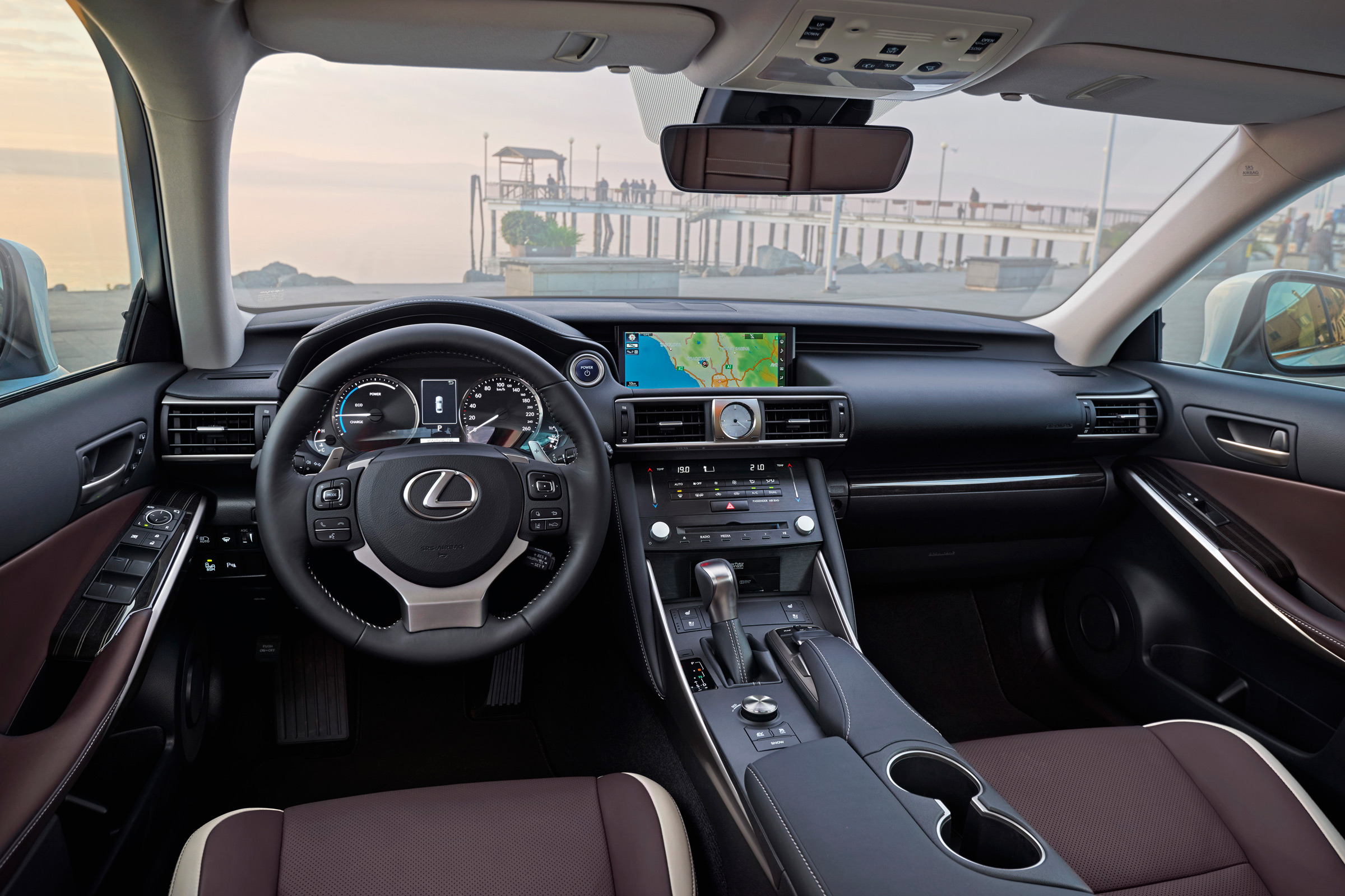 2017 Lexus IS 300h Interior Dashboard (View 11 of 13)