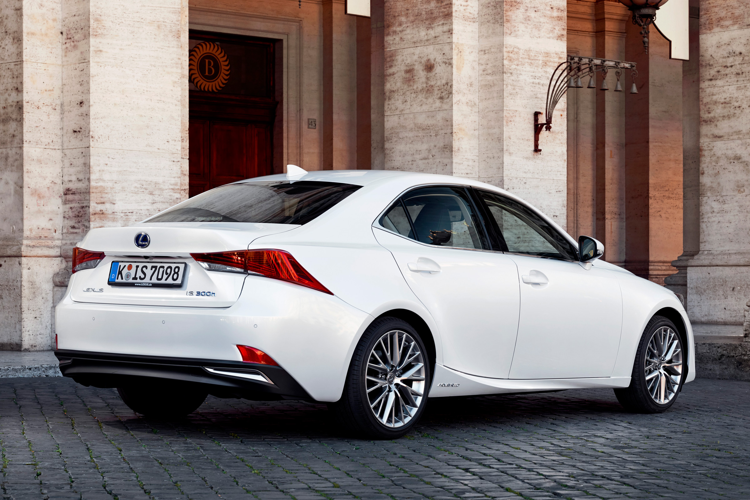 2017 Lexus IS 300h White Exterior Rear And Side (Photo 10 of 13)