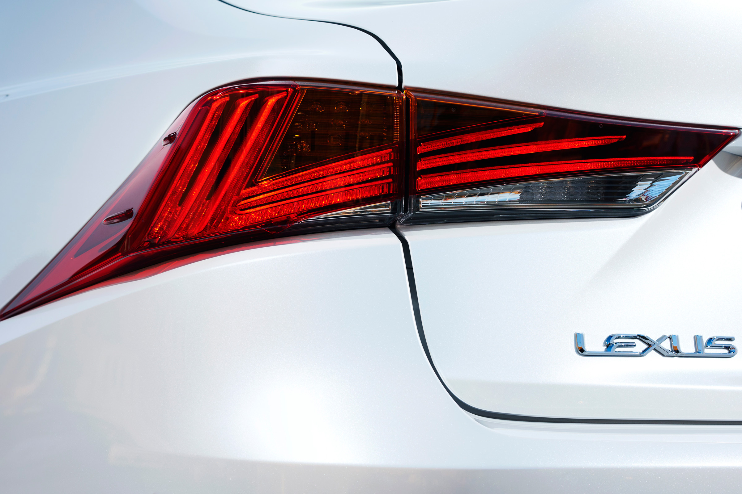 2017 Lexus IS 300h White Exterior View Taillight (Photo 13 of 13)
