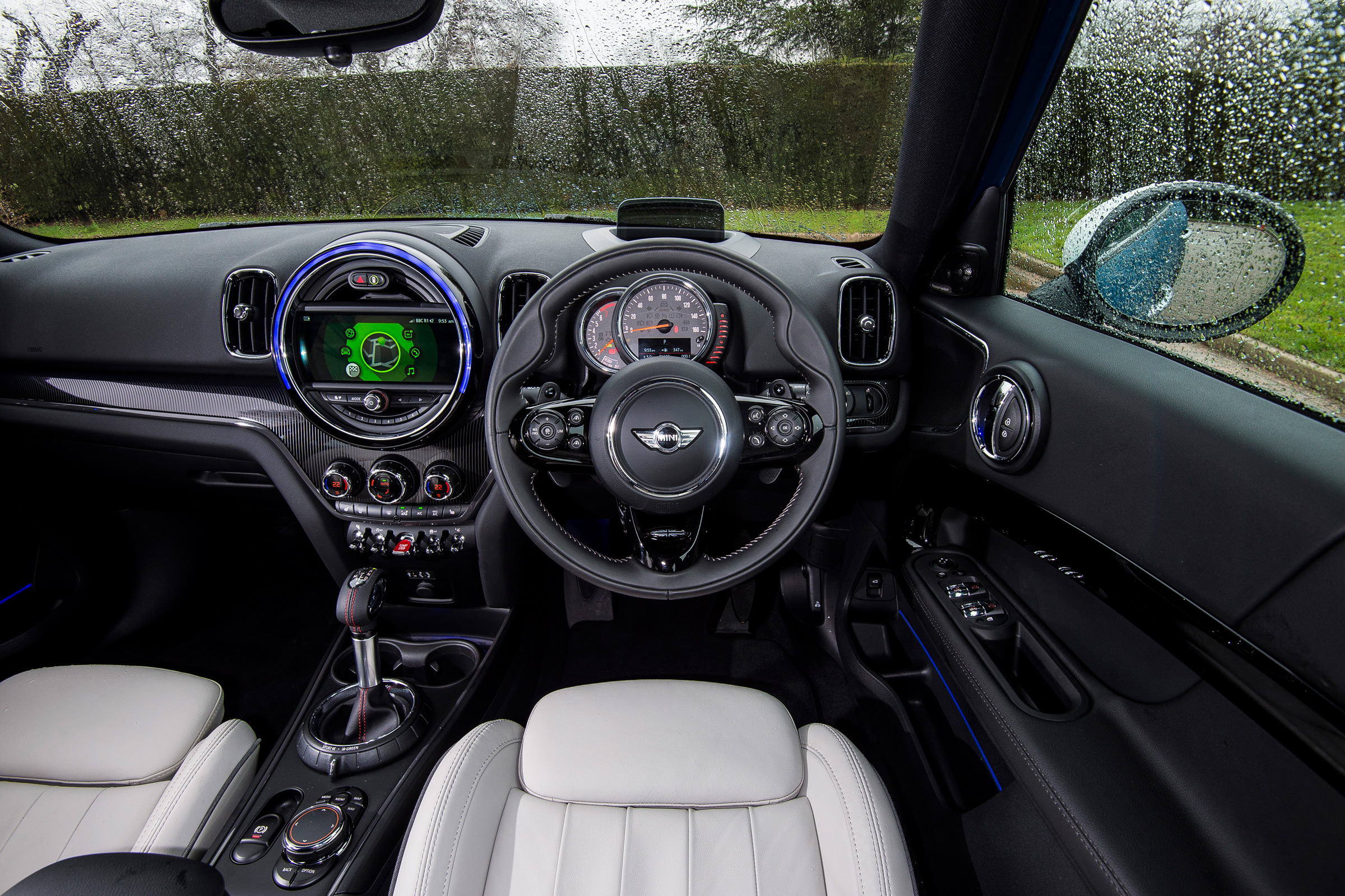 2017 MINI Countryman Interior Driver Cockpit Steering And Dash (Photo 53 of 61)