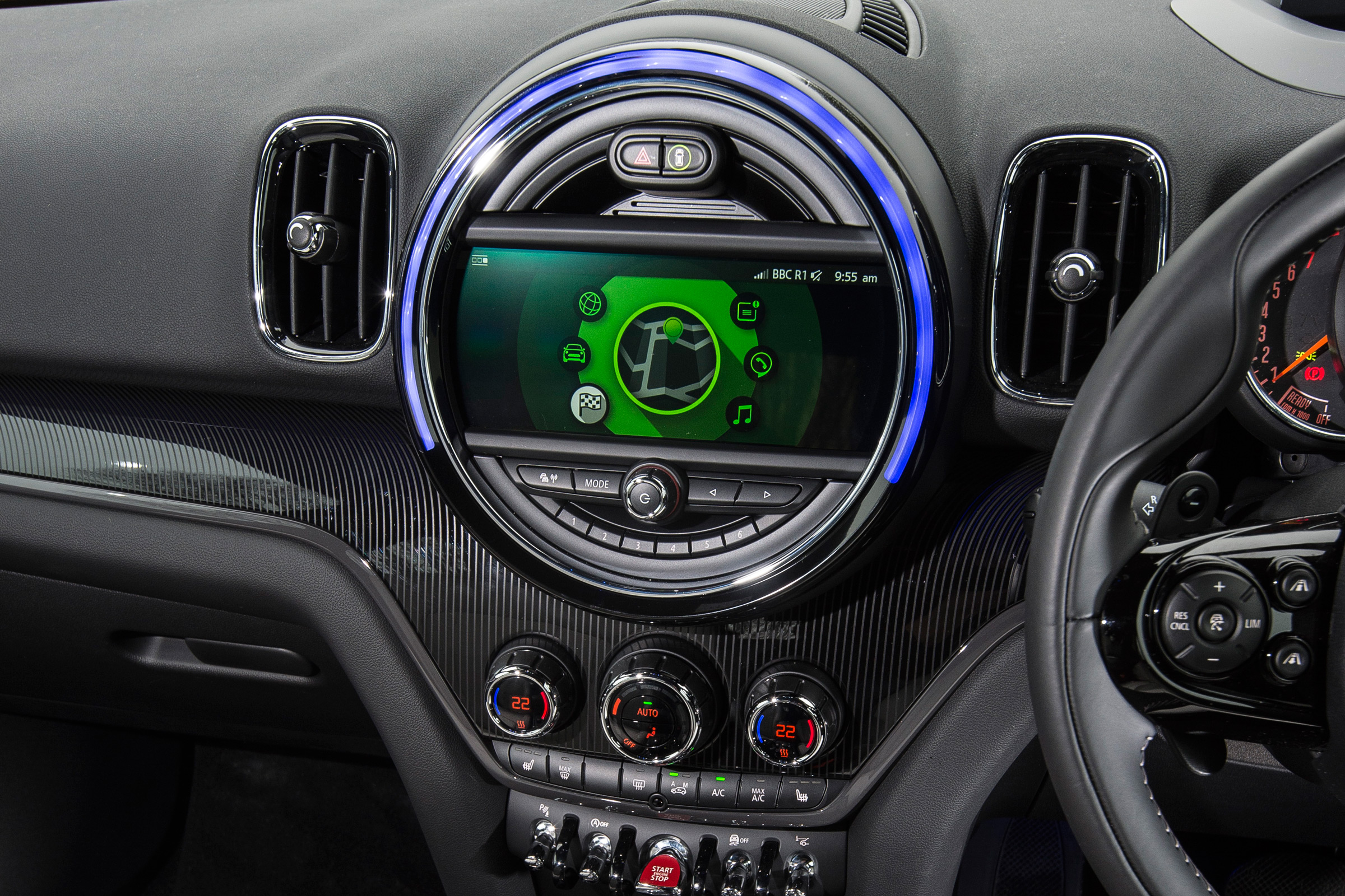 2017 mini countryman cars exclusive videos and photos updates - Countryman interior ...