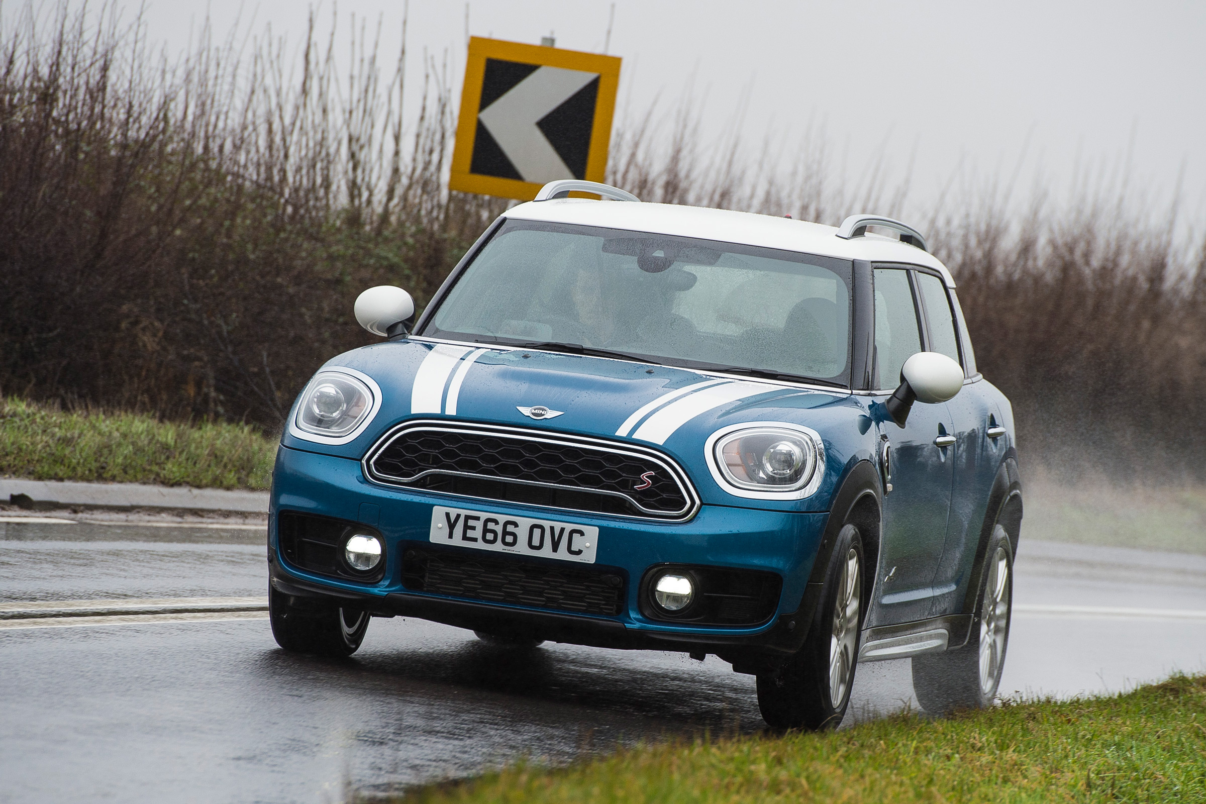2017 MINI Countryman Test Drive Front View (Photo 59 of 61)