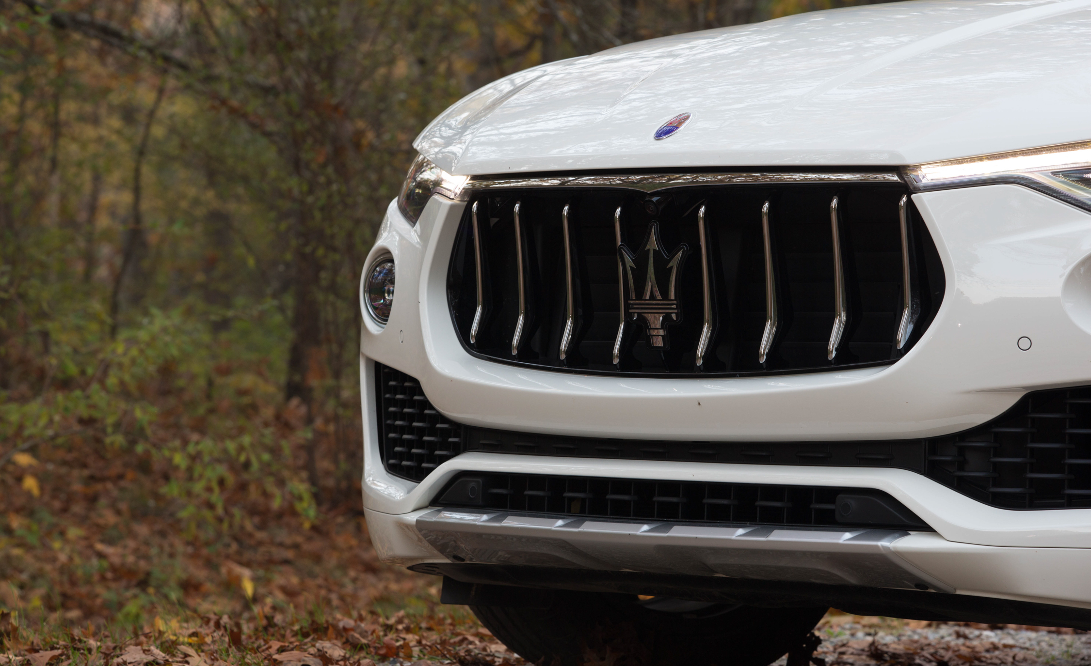 2017 Maserati Levante S Q4 Exterior View Grille And Bumper (Photo 4 of 21)