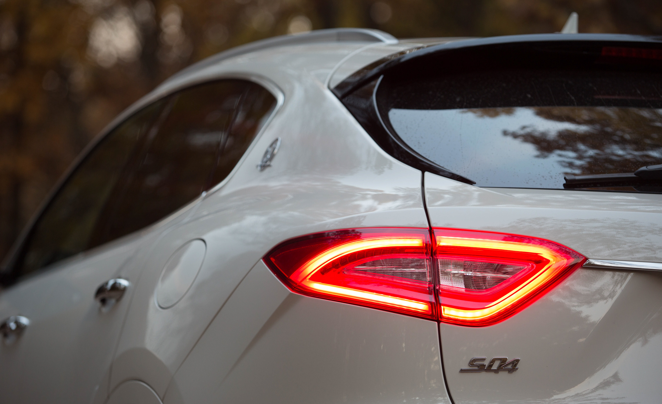 2017 Maserati Levante S Q4 Exterior View Taillight (Photo 6 of 21)