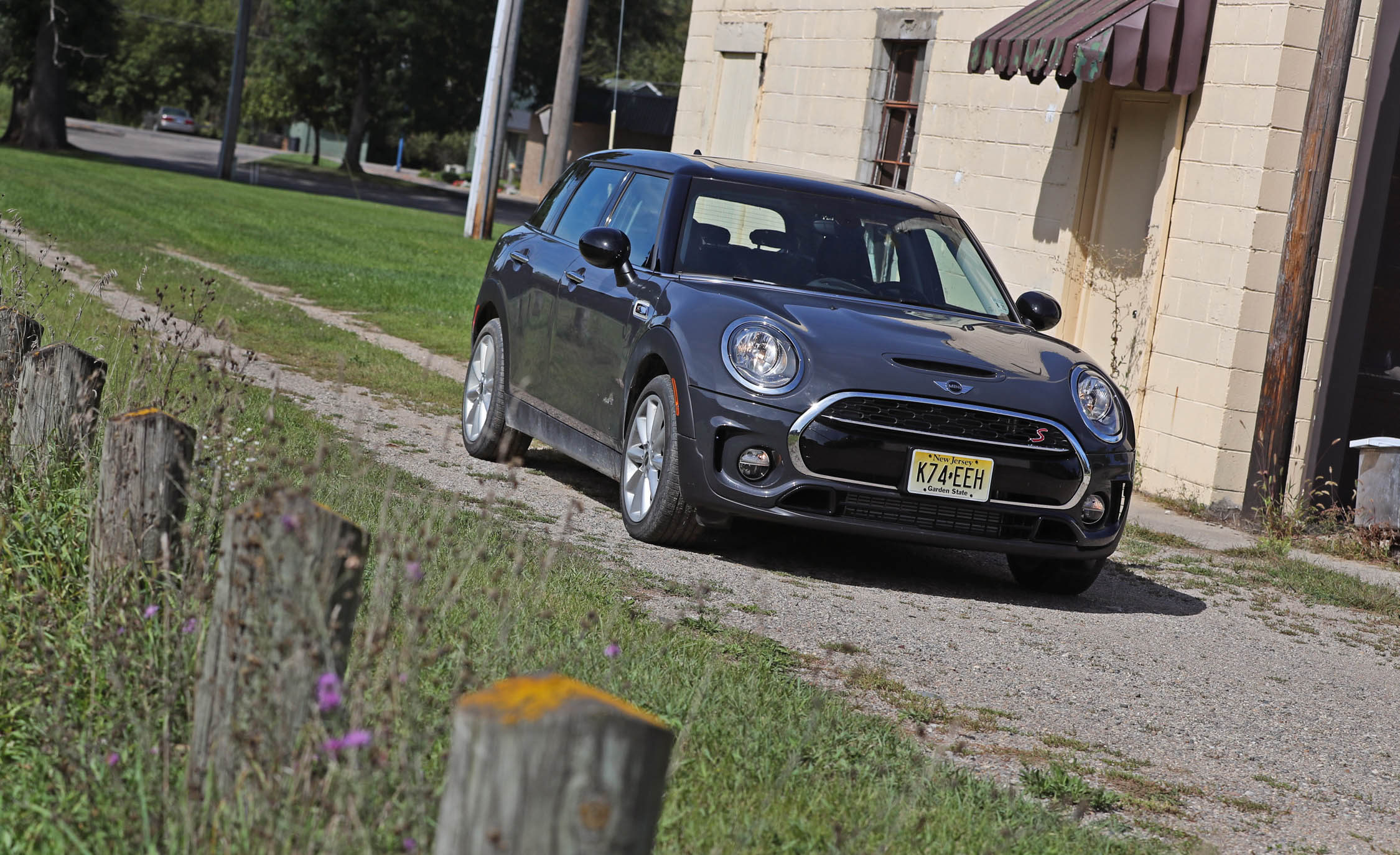 2017 Mini Cooper S ALL4 Clubman Exterior Front Corner (Photo 4 of 29)