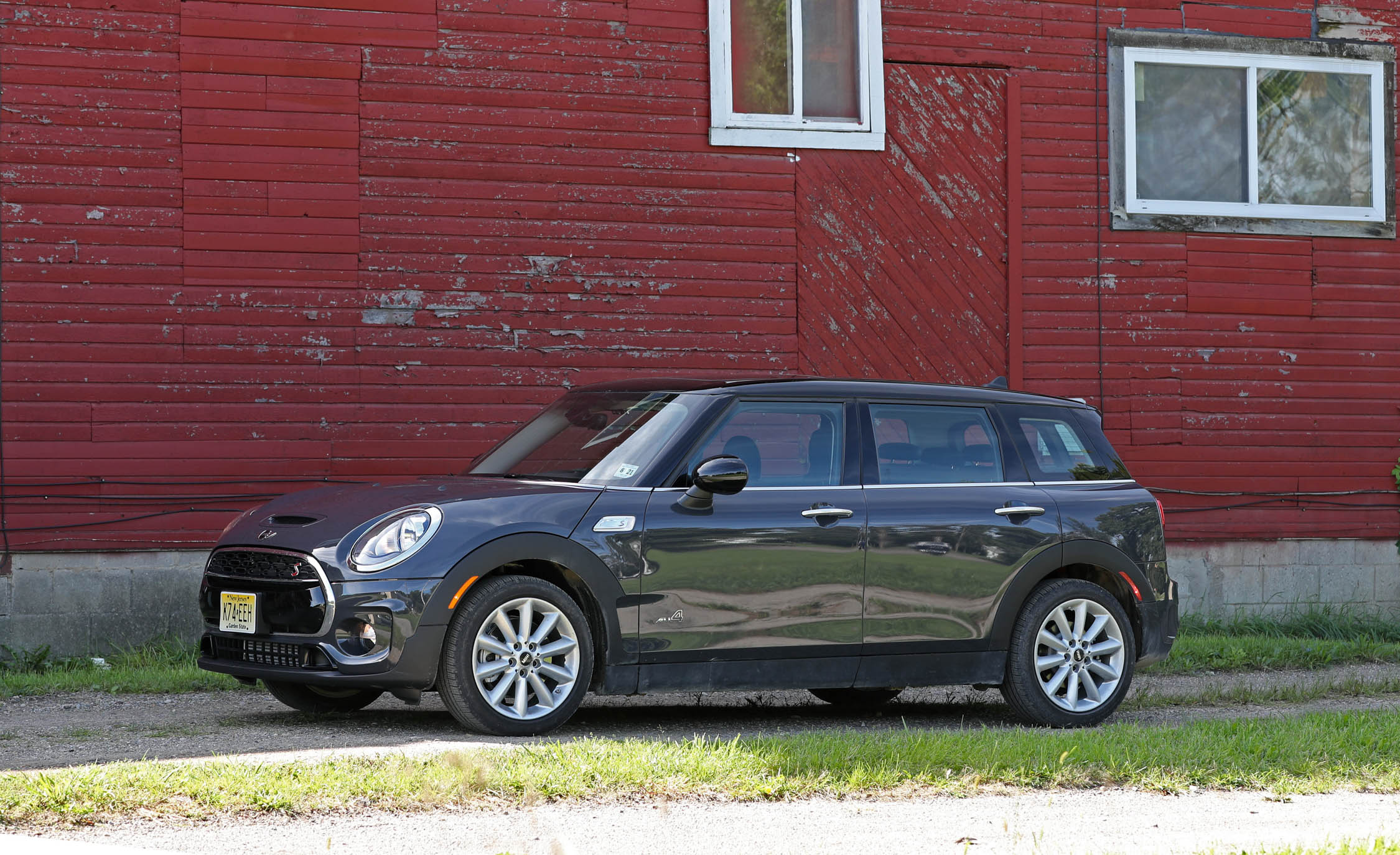 2017 Mini Cooper S ALL4 Clubman Exterior Front And Side (View 28 of 29)