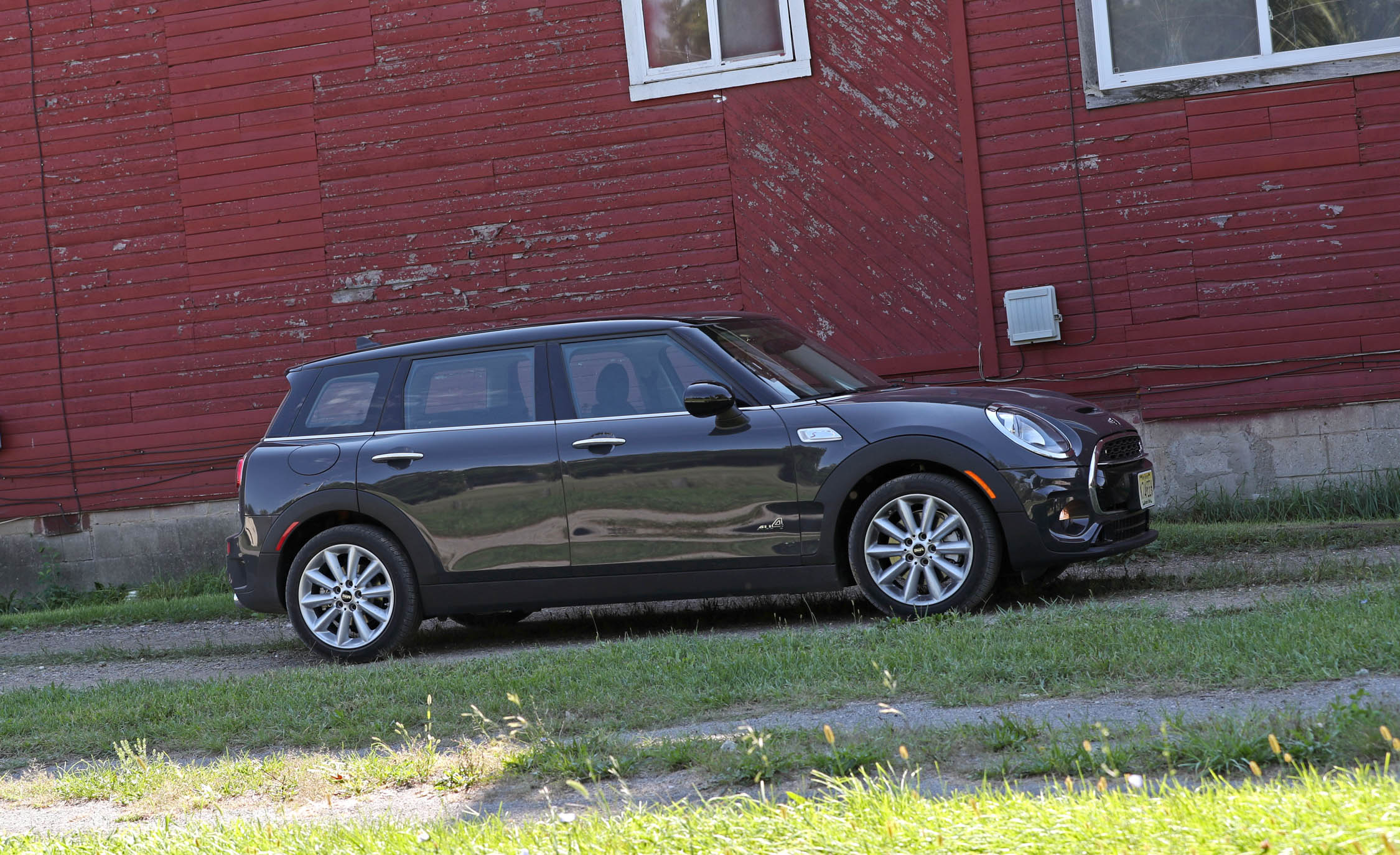 2017 Mini Cooper S ALL4 Clubman Exterior Side And Front (Photo 9 of 29)