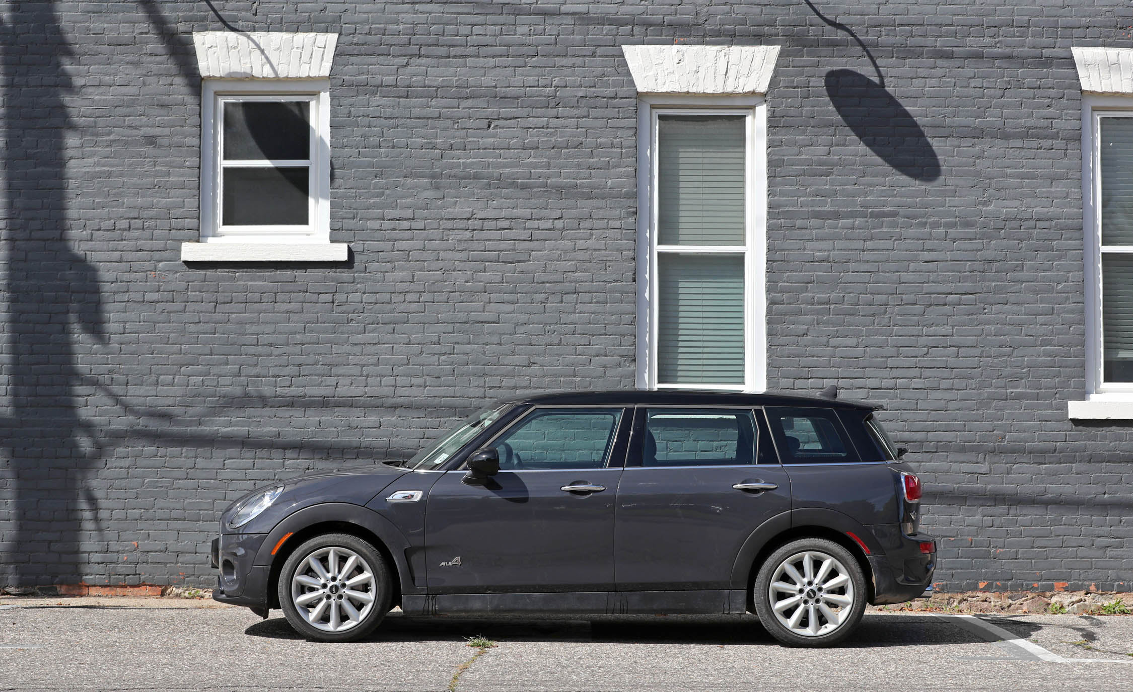 2017 Mini Cooper S ALL4 Clubman Exterior Side Profile (Photo 11 of 29)