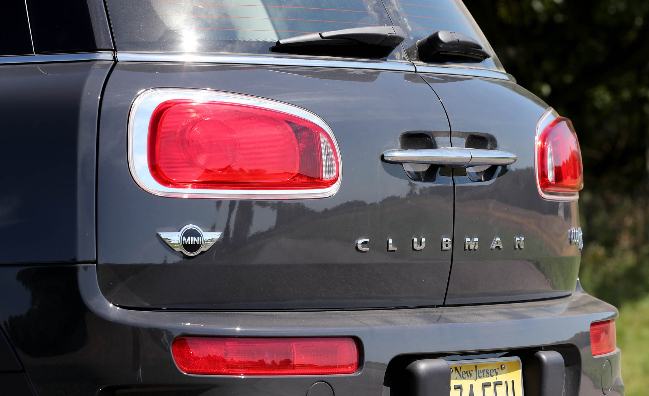 2017 Mini Cooper S ALL4 Clubman Exterior View Taillight (Photo 15 of 29)