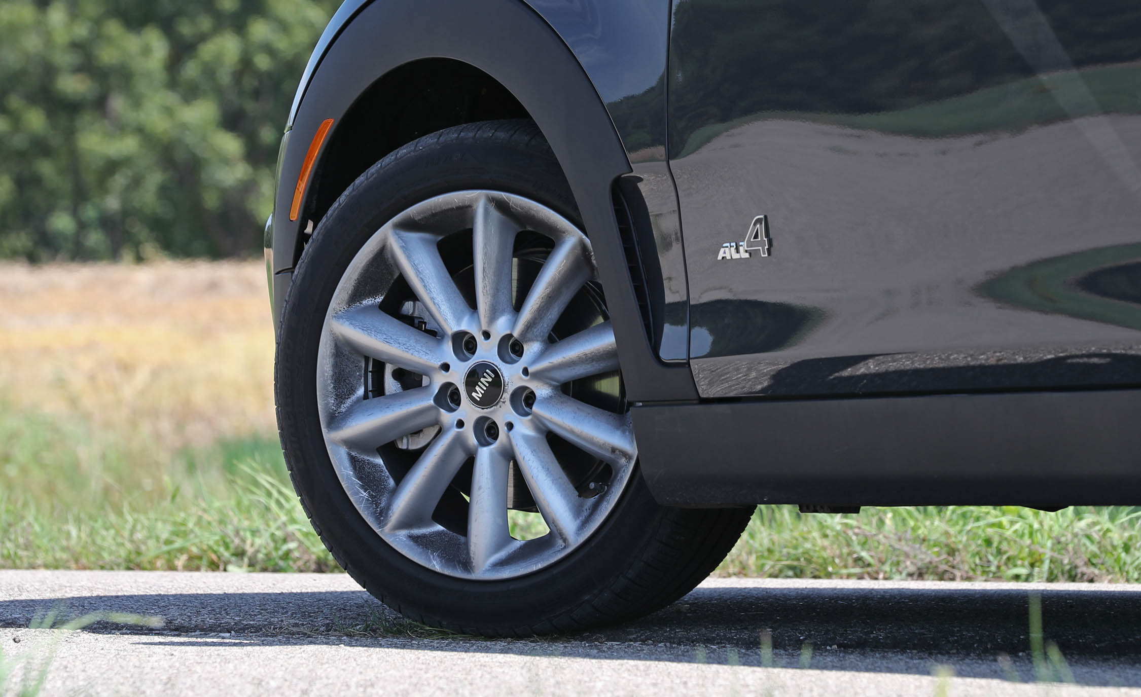 2017 Mini Cooper S ALL4 Clubman Exterior View Wheel Trim (Photo 16 of 29)