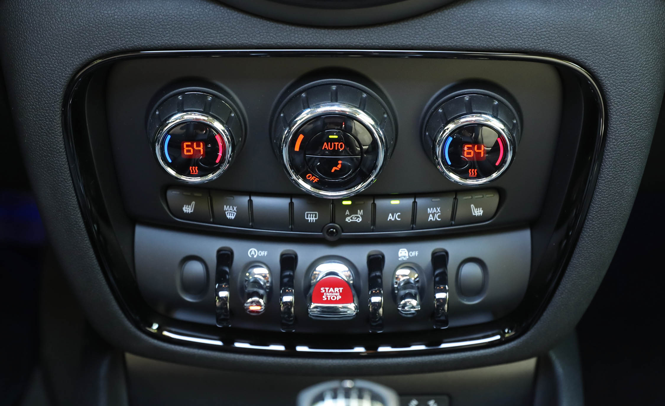 2017 Mini Cooper S ALL4 Clubman Interior View Climate Control (Photo 25 of 29)