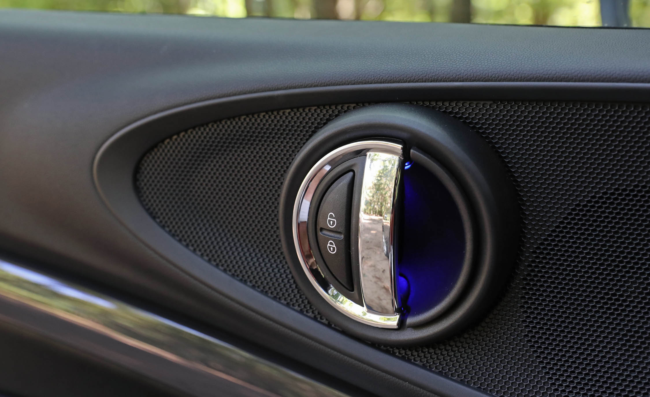 2017 Mini Cooper S ALL4 Clubman Interior View Door Handle (Photo 26 of 29)