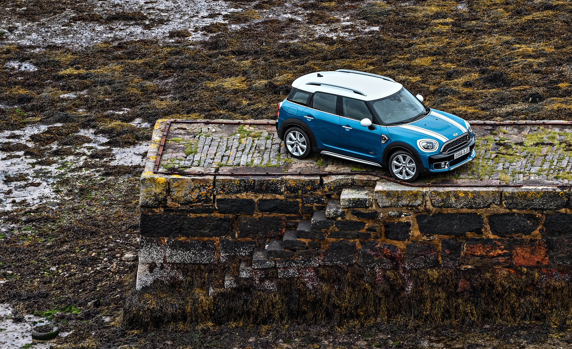 2017 Mini Cooper S Countryman Exterior Top Front (Photo 6 of 61)