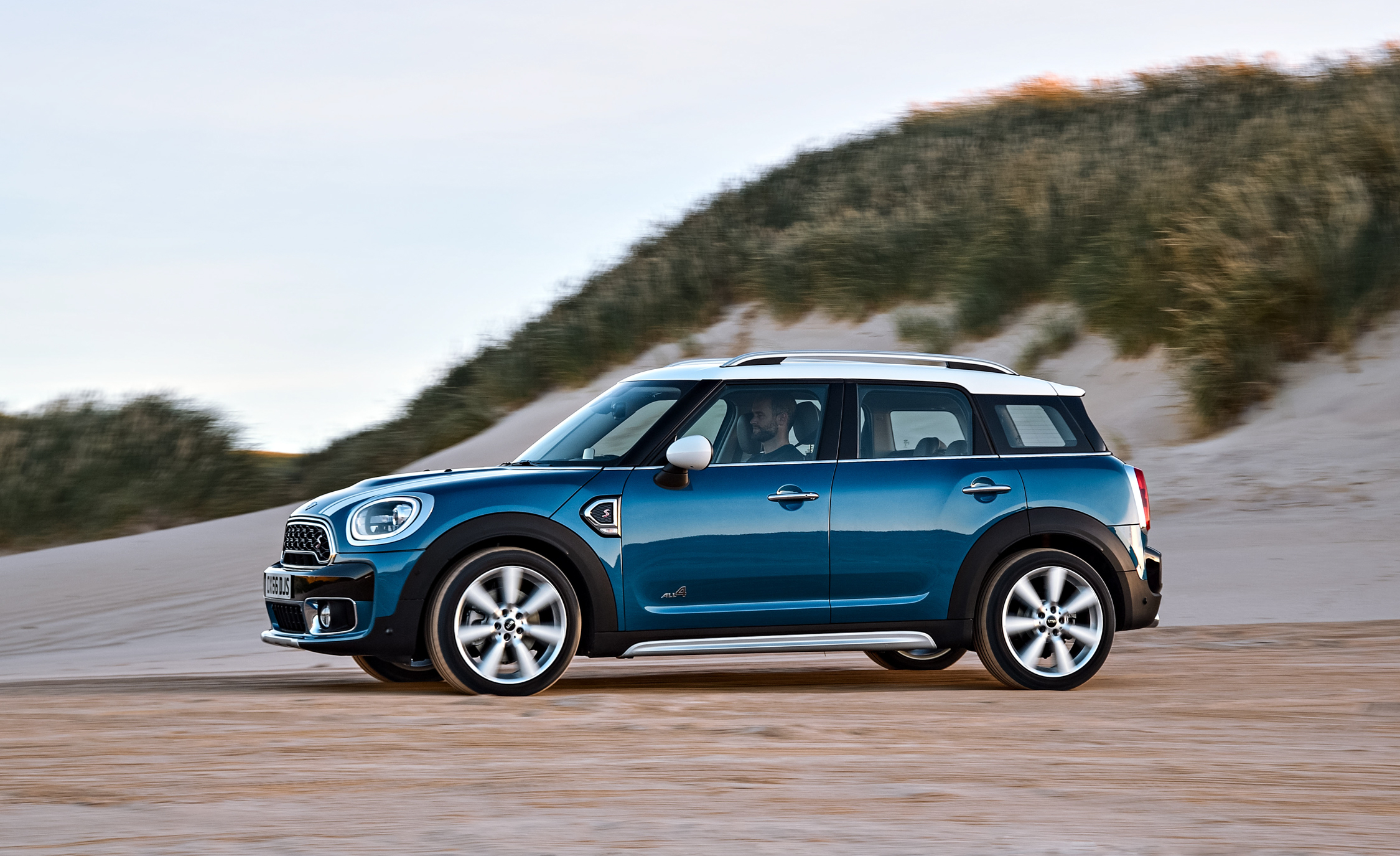 2017 Mini Cooper S Countryman Test Drive Side And Front View (Photo 20 of 61)
