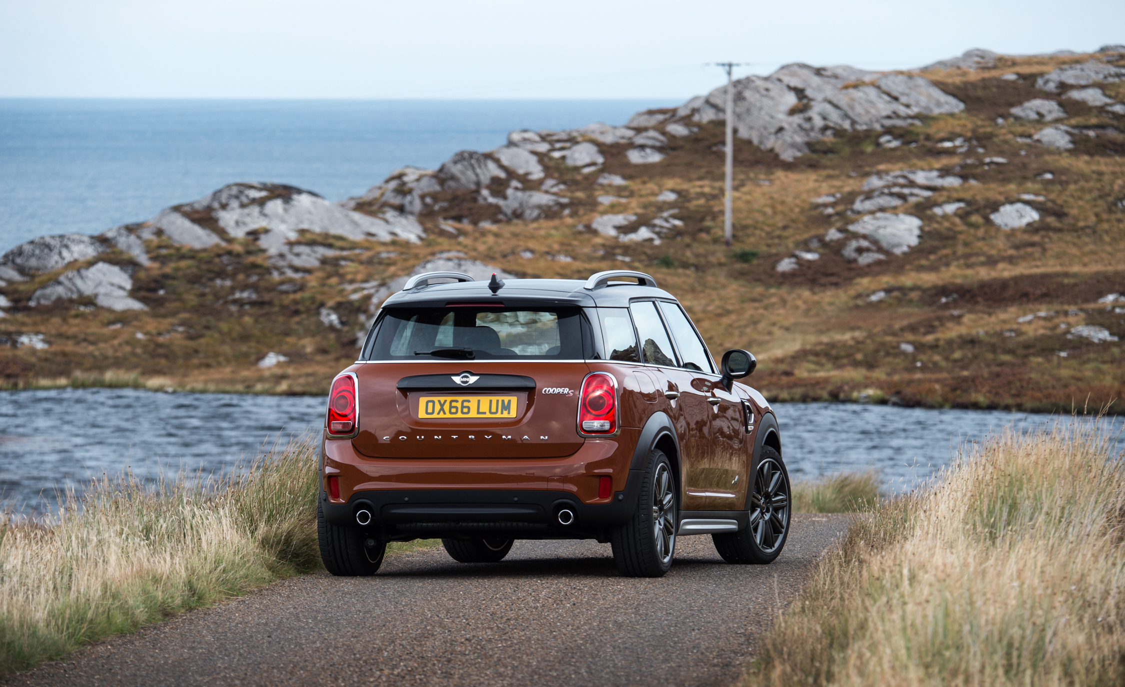 2017 Mini Countryman Cooper S All4 Exterior Rear And Side (Photo 29 of 61)