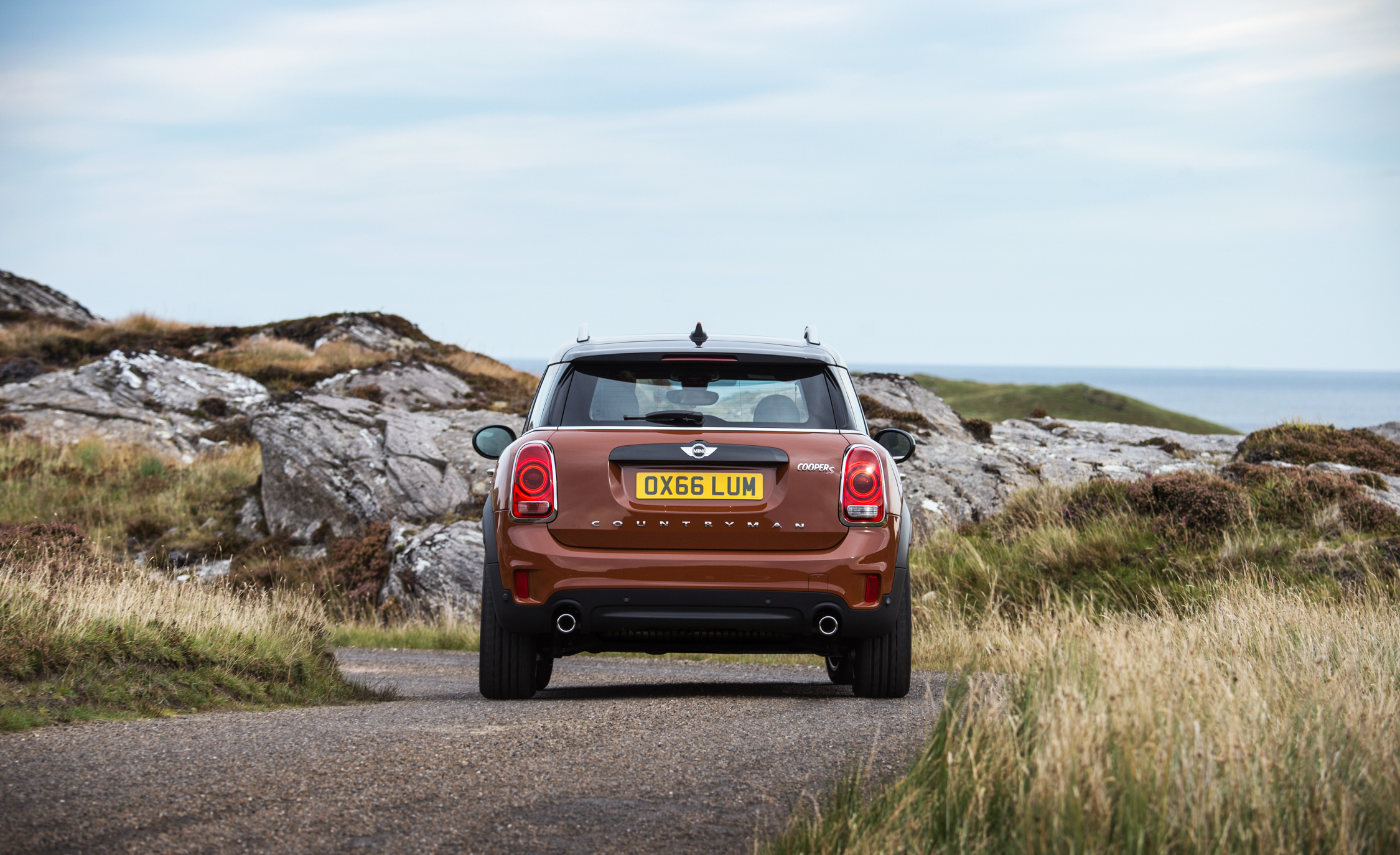 2017 Mini Countryman Cooper S All4 Exterior Rear (Photo 28 of 61)
