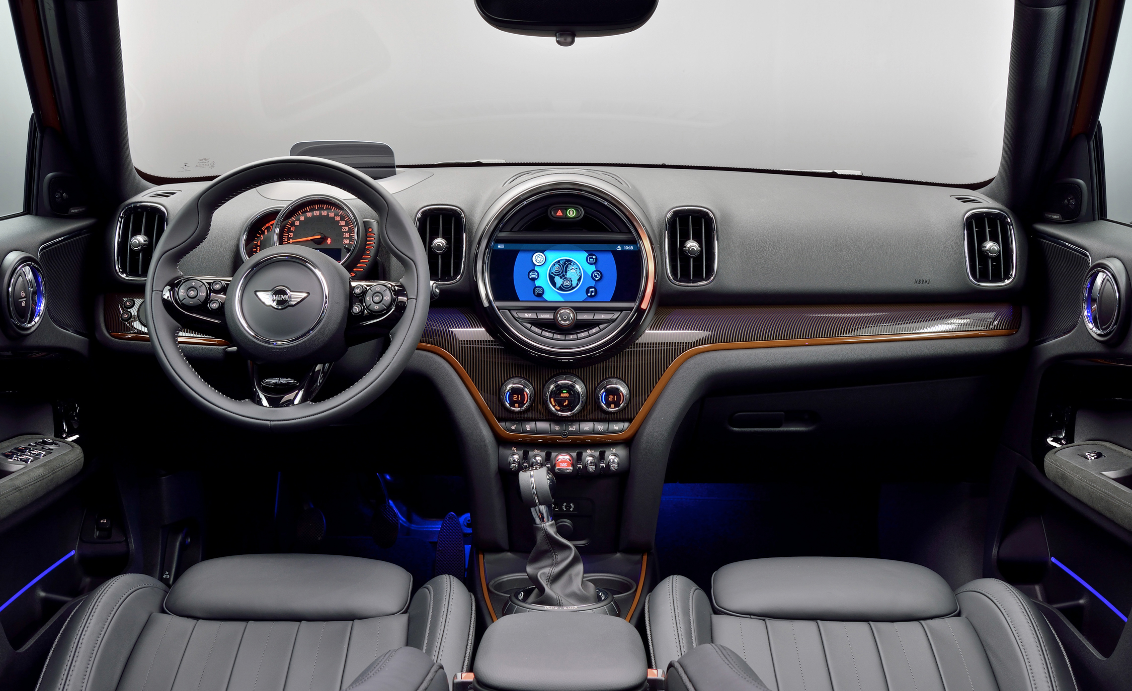 2017 Mini Countryman Cooper S All4 Interior Dashboard (Photo 41 of 61)