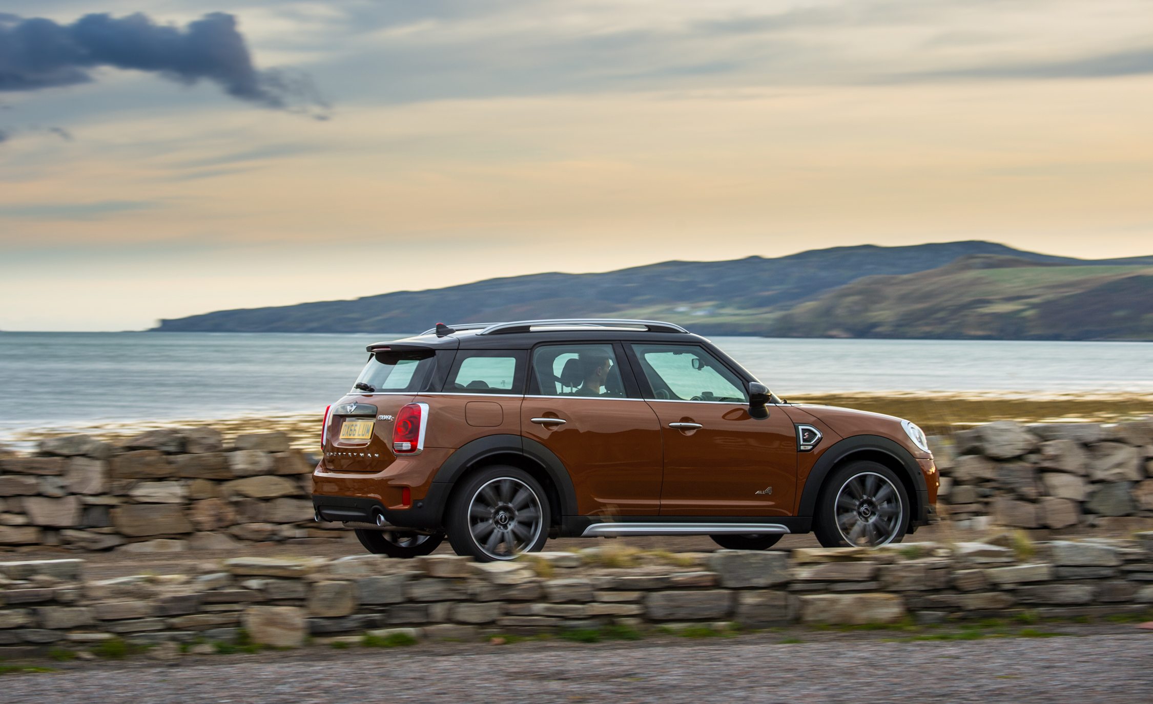 2017 Mini Countryman Cooper S All4 Test Drive Side And Rear View (Photo 49 of 61)