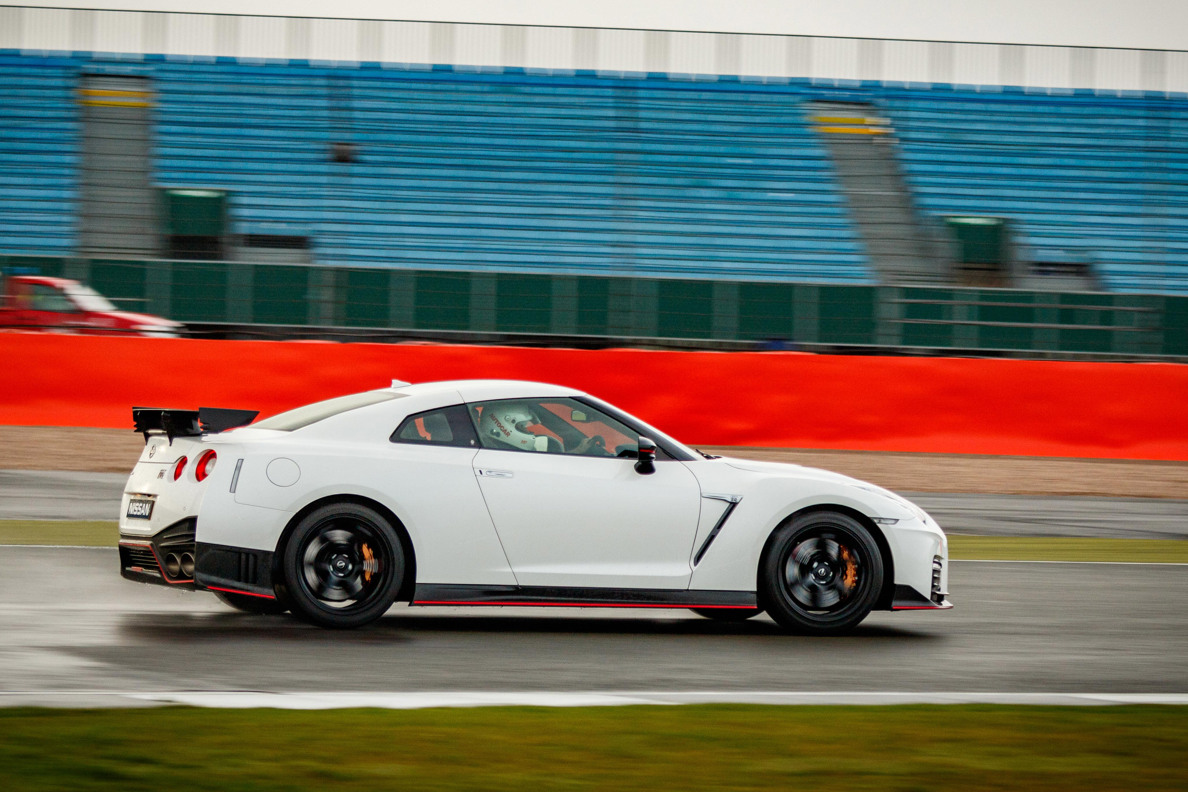 2017 Nissan GT R NISMO Circuit Test Side View (Photo 3 of 22)