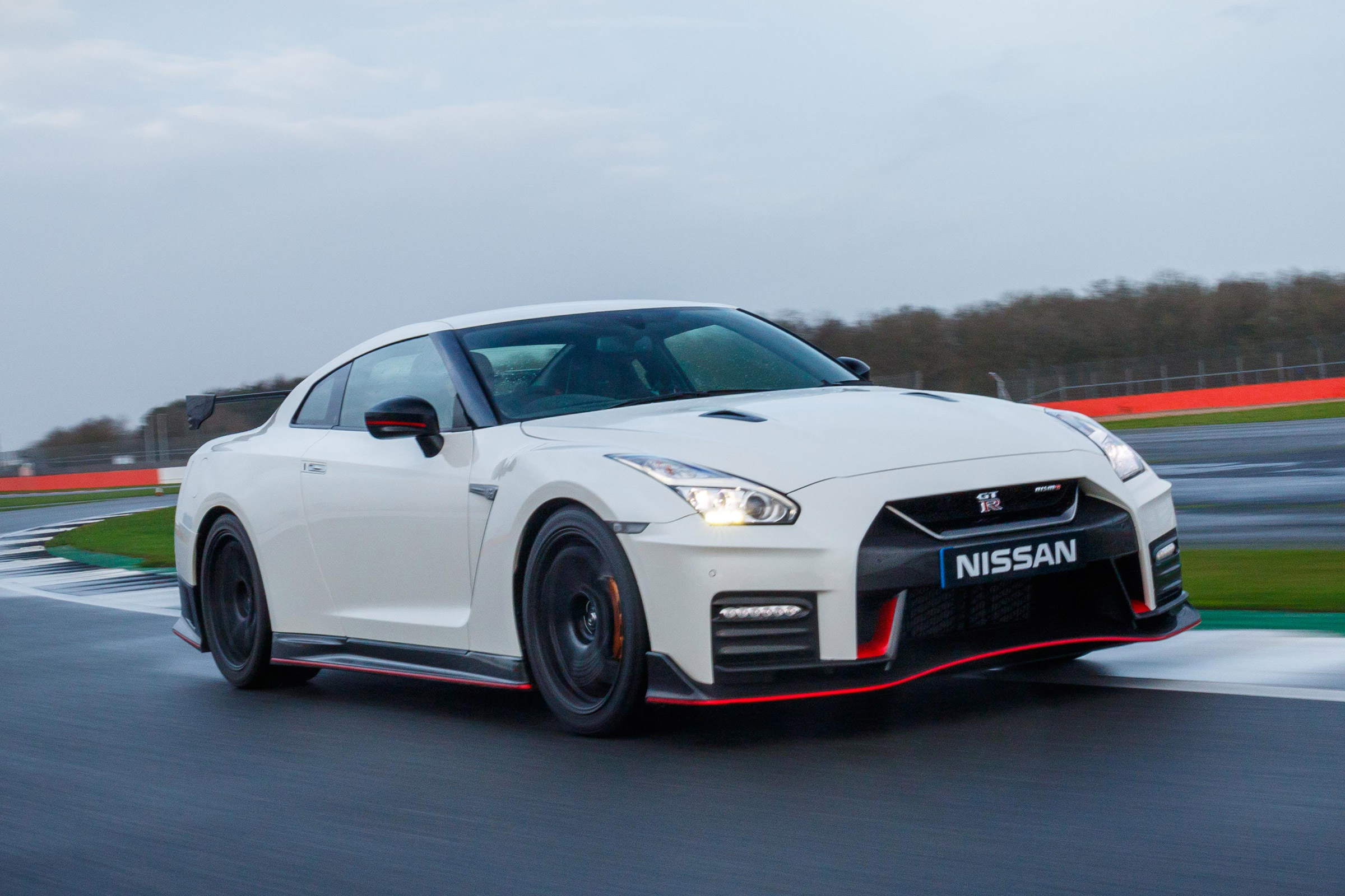 Featured Image of 2017 Nissan GT R NISMO