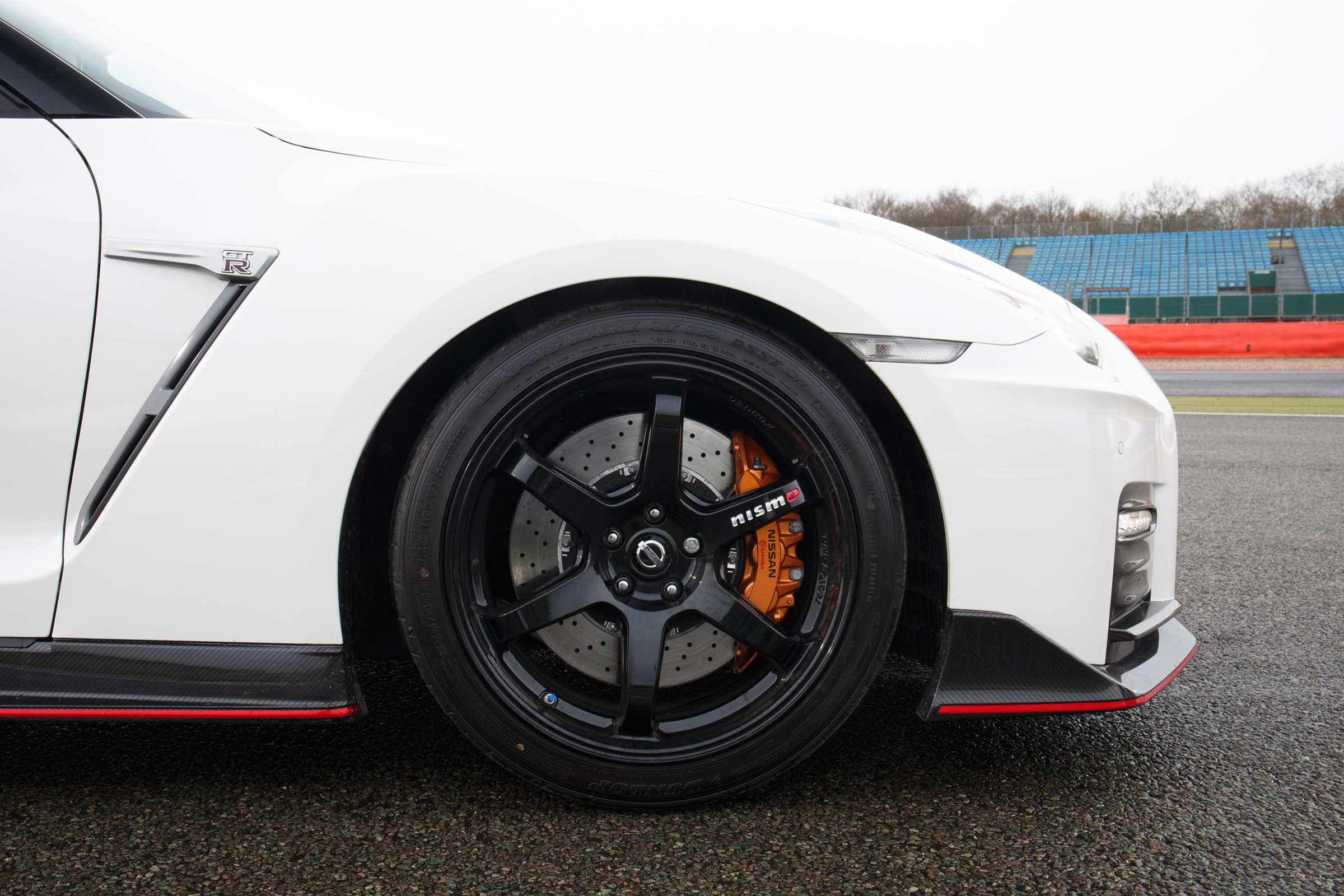 2017 Nissan GT R NISMO Exterior View Wheel (Photo 10 of 22)