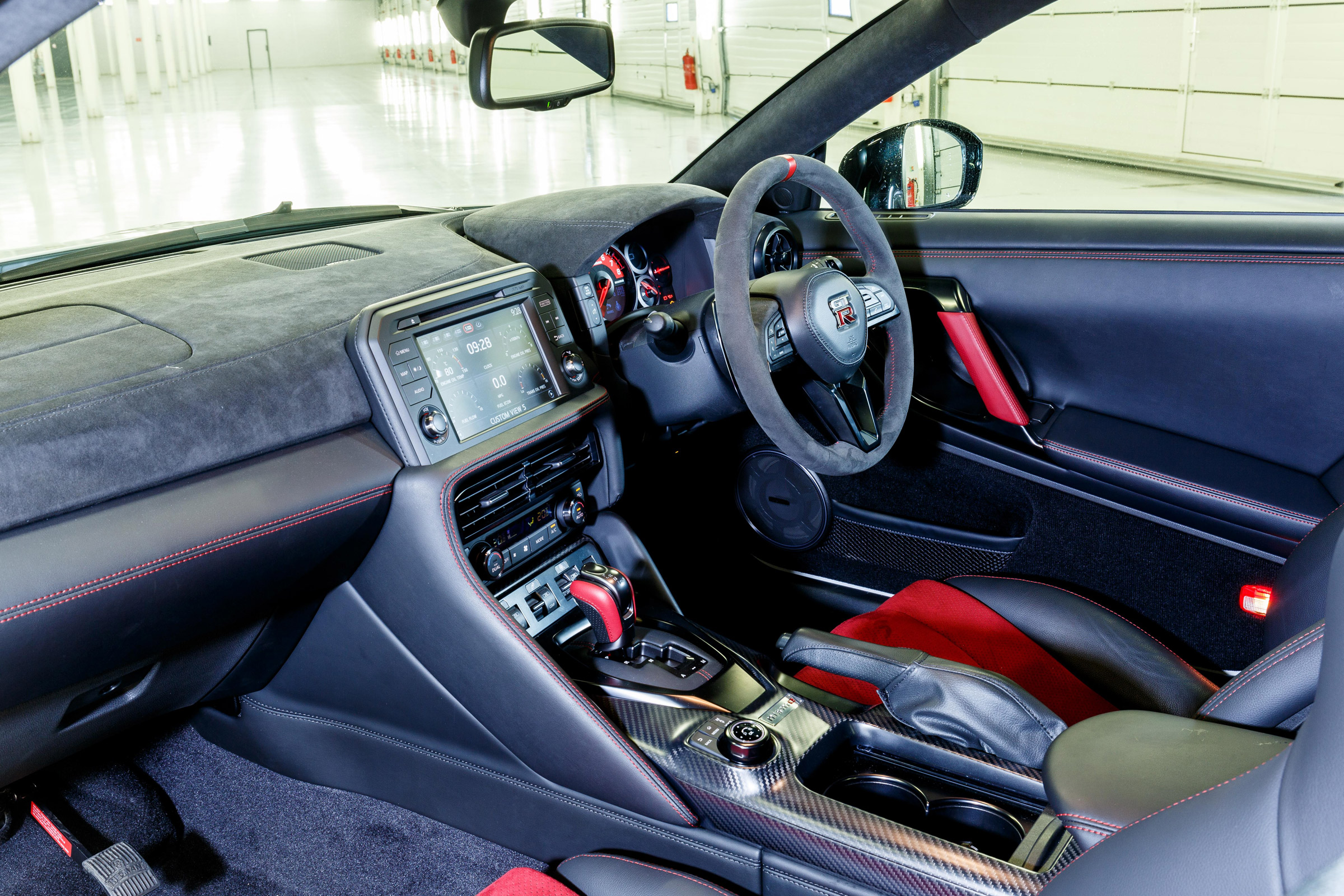 2017 Nissan GT R NISMO Interior Driver Cockpit And Dash (Photo 11 of 22)