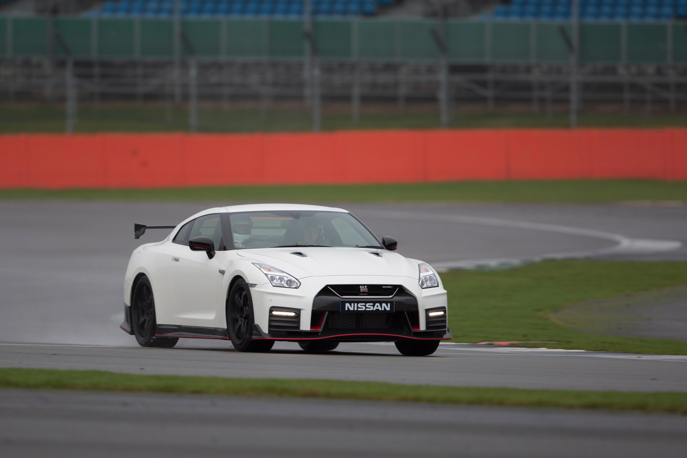 2017 Nissan GT R NISMO Test Drive Front View (Photo 17 of 22)
