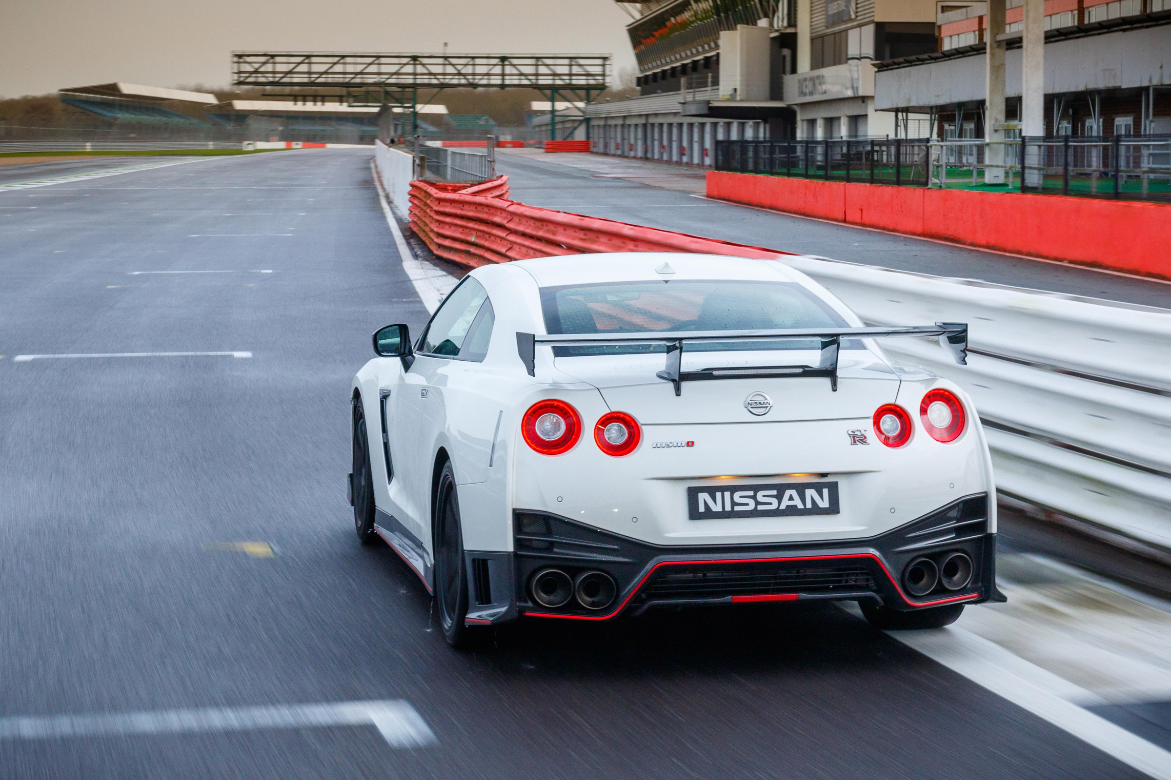 2017 Nissan GT R NISMO Test Drive Rear View (Photo 18 of 22)