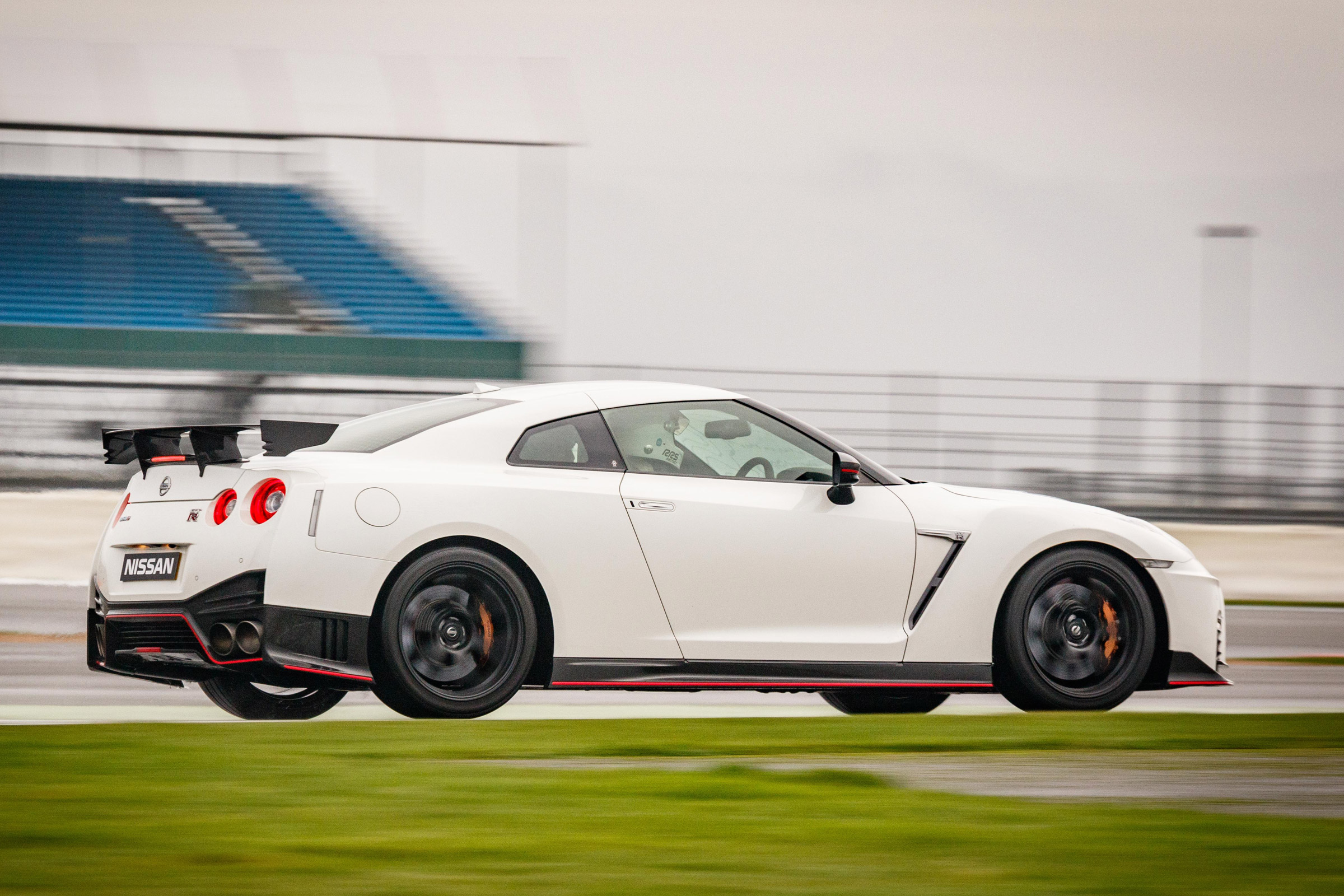 2017 Nissan GT R NISMO Test Drive Side And Rear View (Photo 19 of 22)