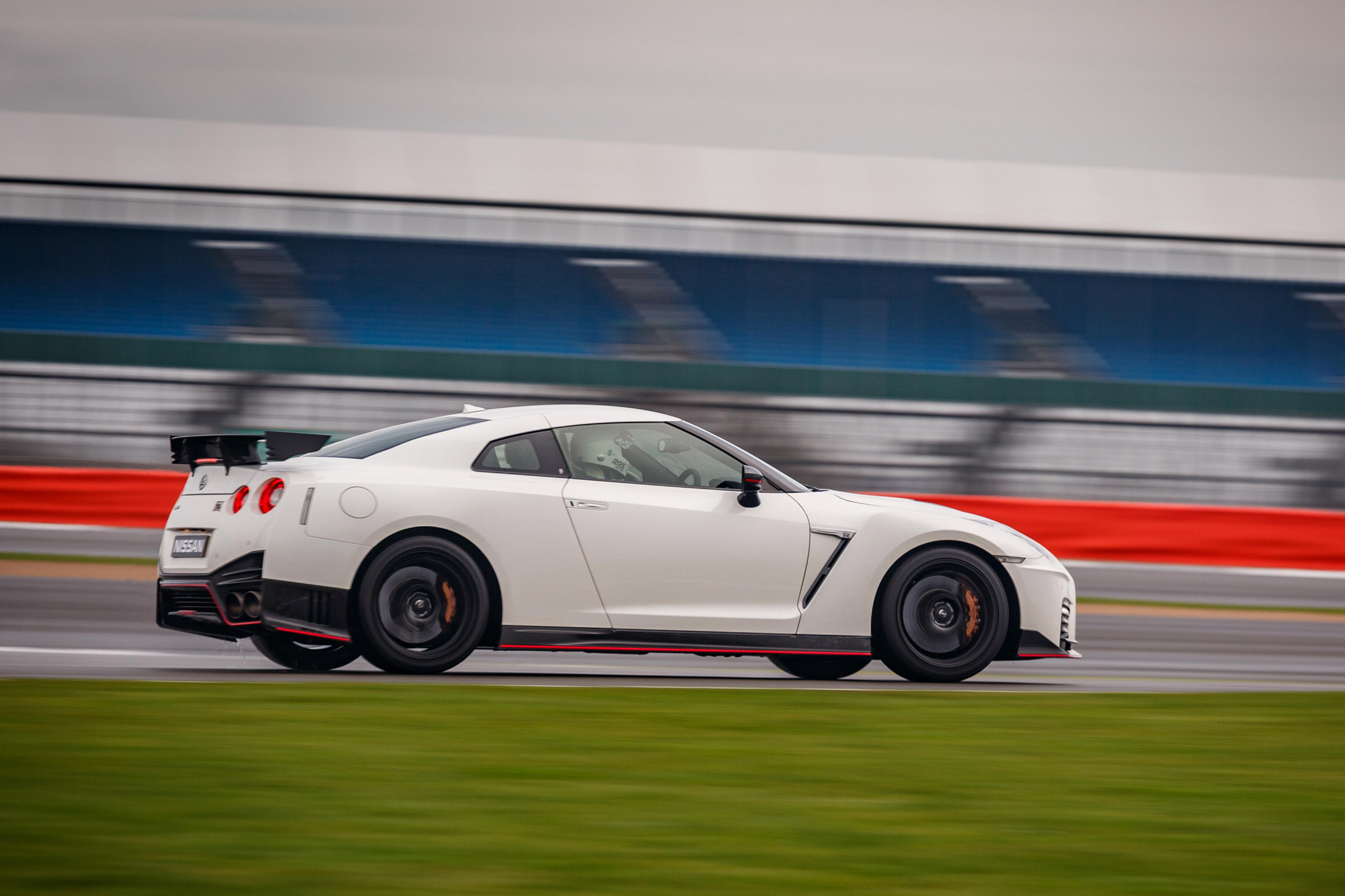 2017 Nissan GT R NISMO Test Drive Side View (Photo 20 of 22)
