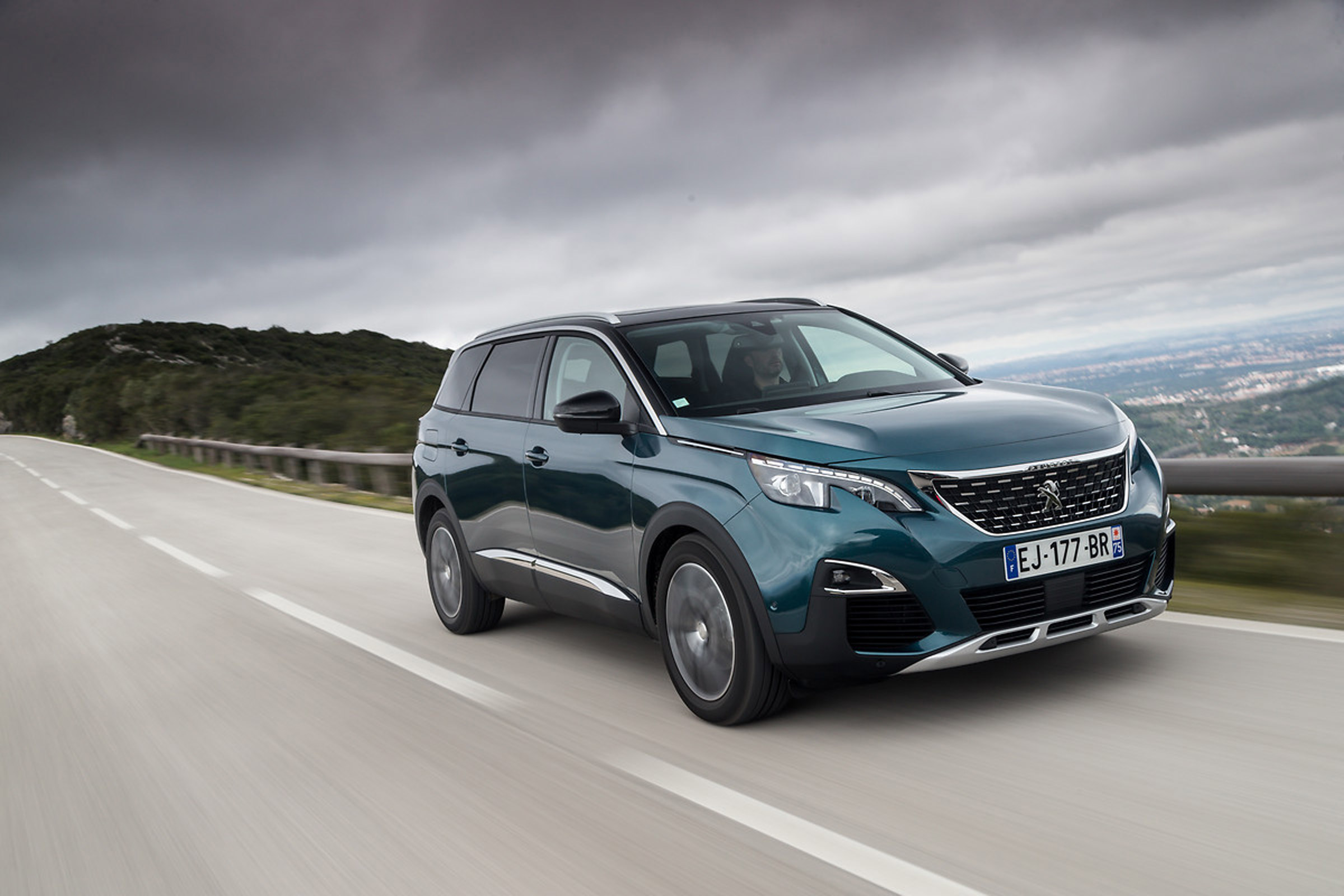 Featured Image of 2017 Peugeot 5008 SUV
