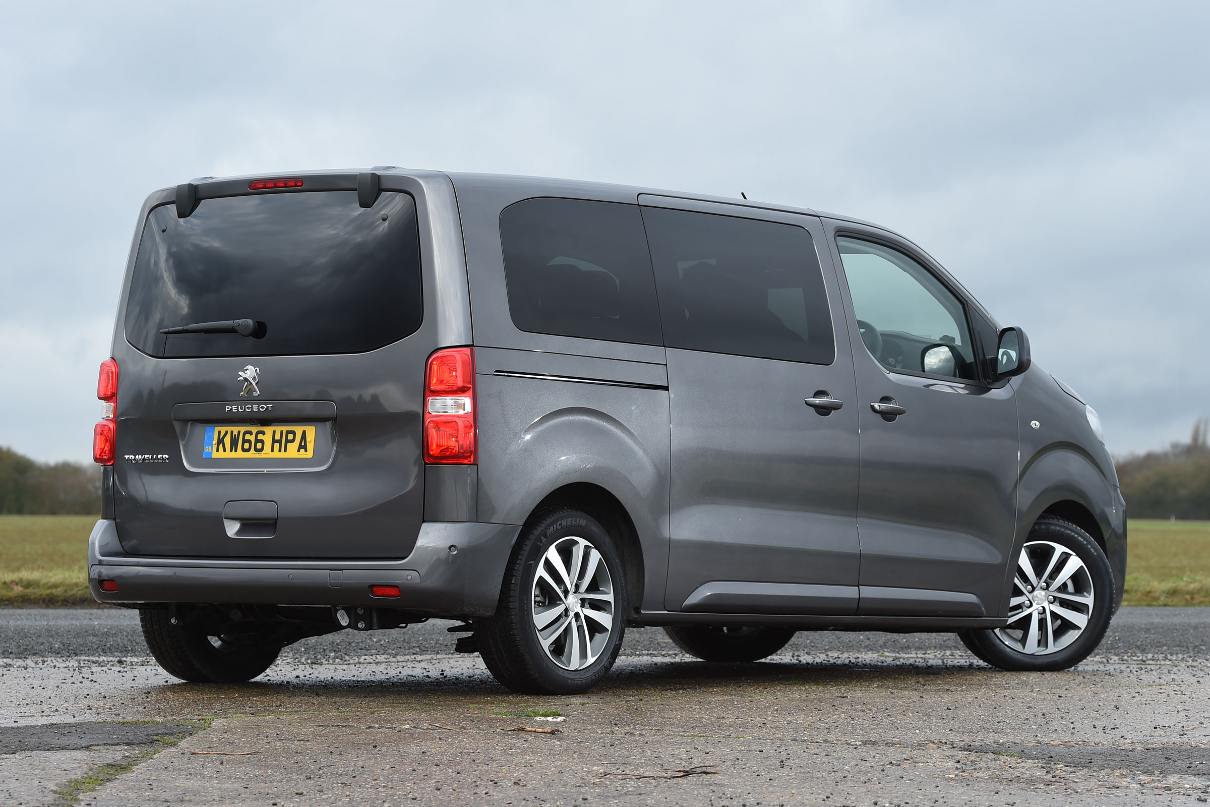 2017 Peugeot Traveller Allure Exterior Rear And Side (Photo 3 of 13)