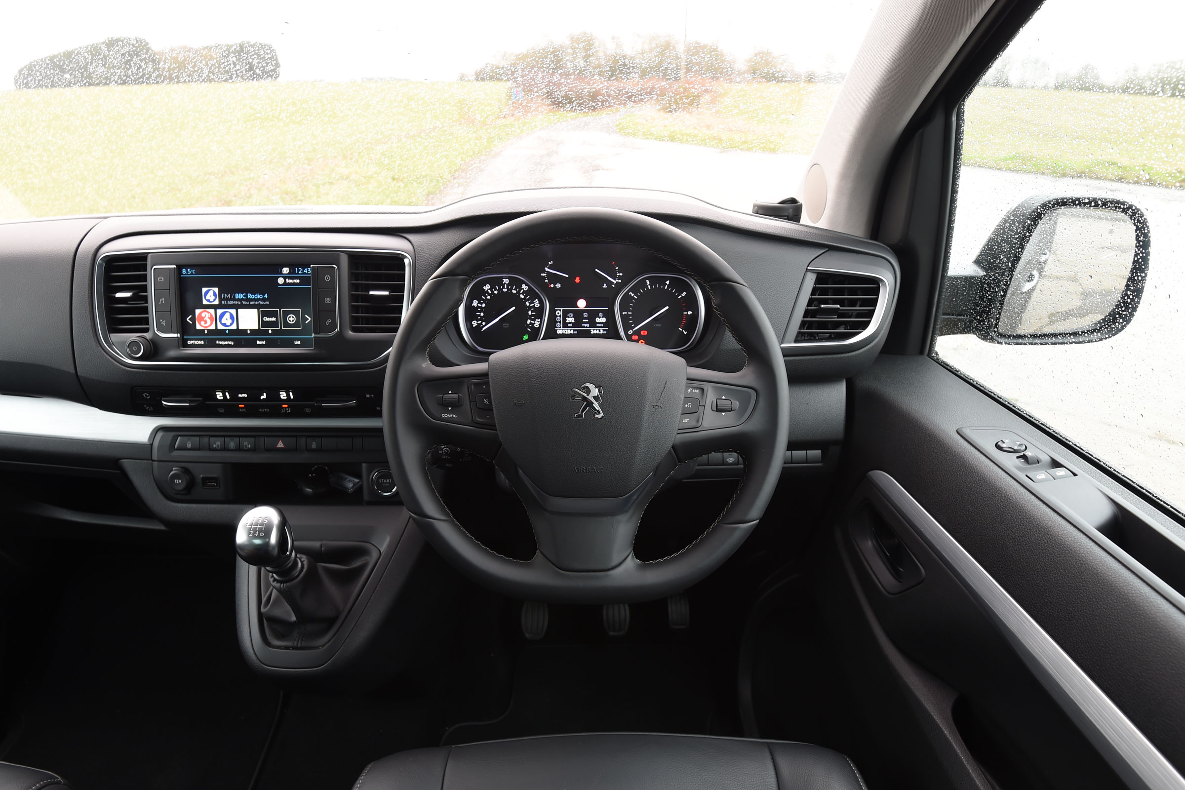 2017 Peugeot Traveller Allure Interior Driver Cockpit Steering (Photo 7 of 13)
