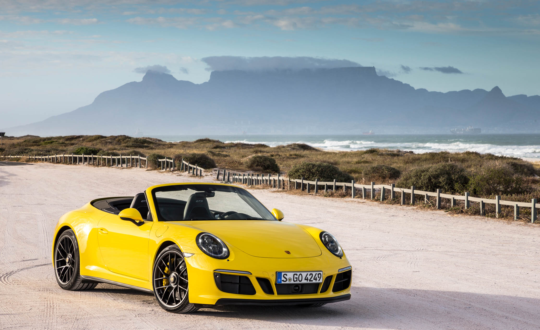 2017 Porsche 911 Carrera 4 GTS Cabriolet Exterior Front And Side (Photo 3 of 97)