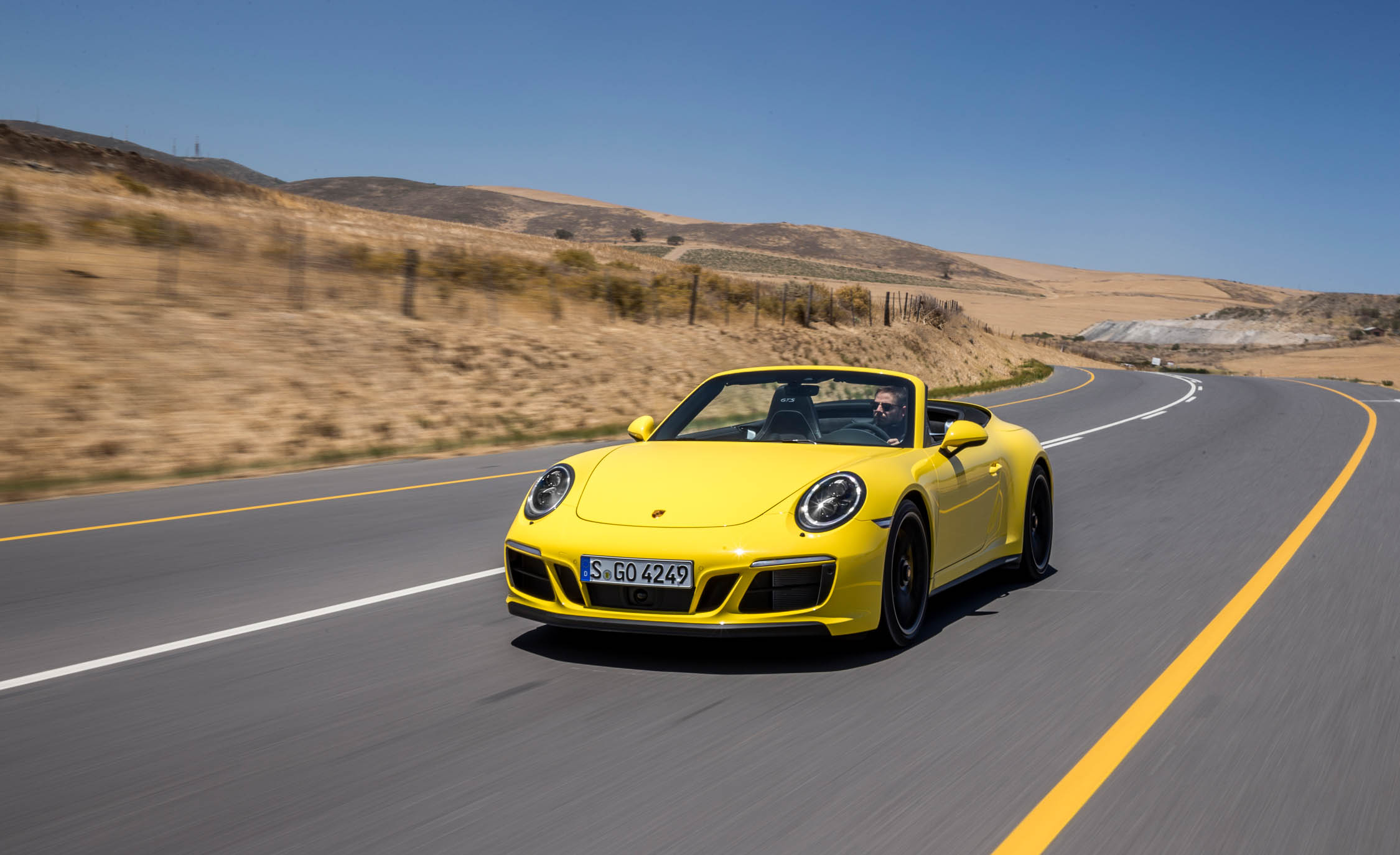 2017 Porsche 911 Carrera 4 GTS Cabriolet Test Drive (Photo 10 of 97)
