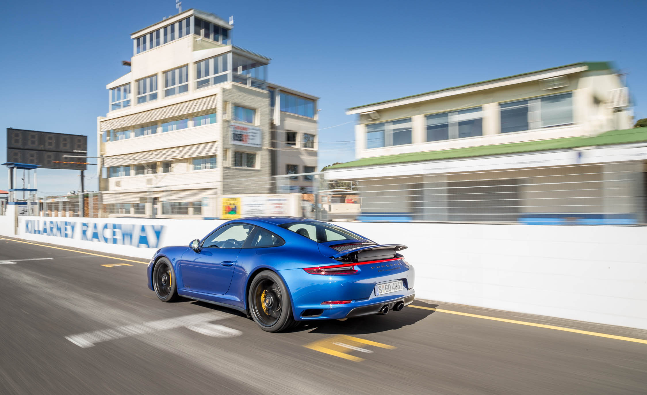 2017 Porsche 911 Carrera 4 GTS Coupe Blue Metallic Rear And Side View (Photo 17 of 97)