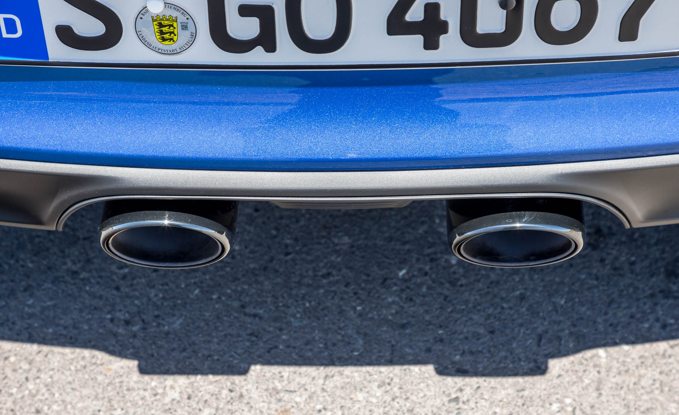 2017 Porsche 911 Carrera 4 GTS Coupe Exterior View Exhaust Muffler (Photo 19 of 97)
