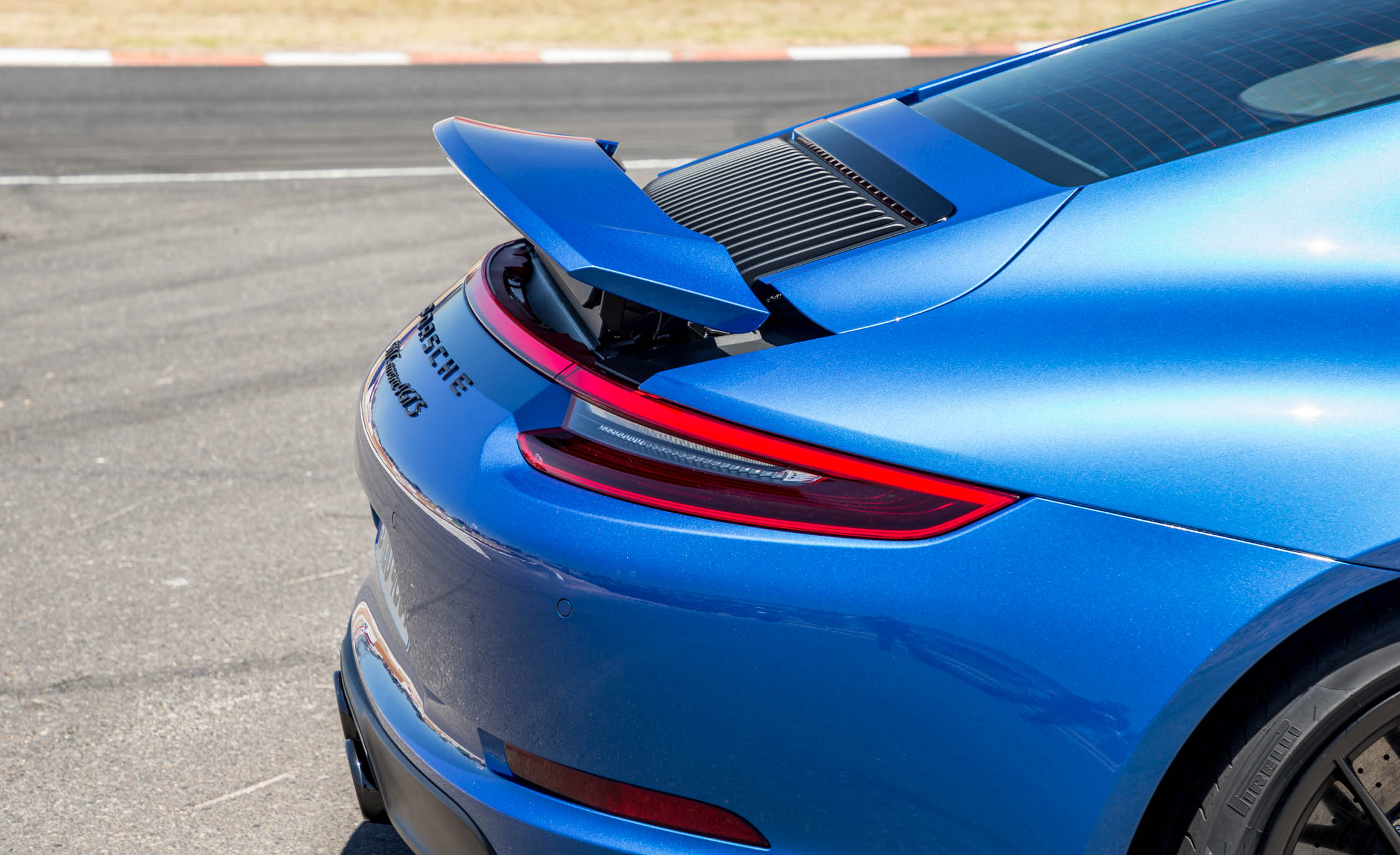 2017 Porsche 911 Carrera 4 GTS Coupe Exterior View Rear Wing Spoiler (Photo 23 of 97)