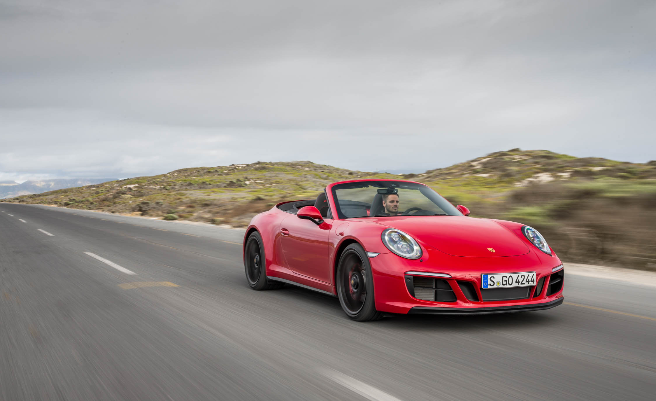 2017 Porsche 911 Carrera GTS Cabriolet Color Red (Photo 31 of 97)