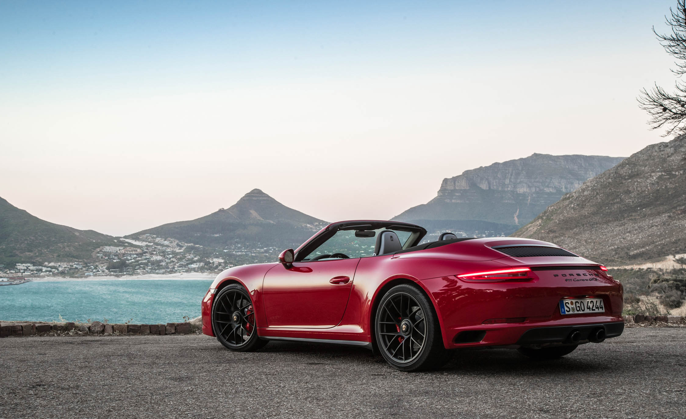 2017 Porsche 911 Carrera GTS Cabriolet Exterior Rear And Side (Photo 33 of 97)